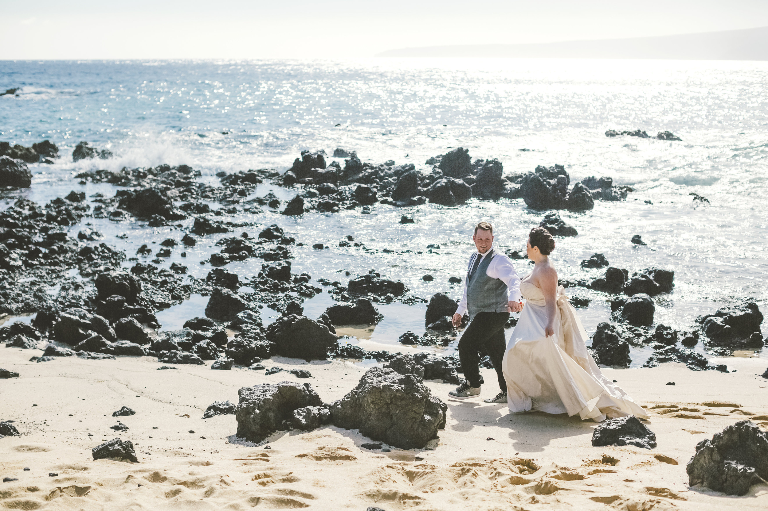 angie-diaz-photography-maui-elopement-28.jpg