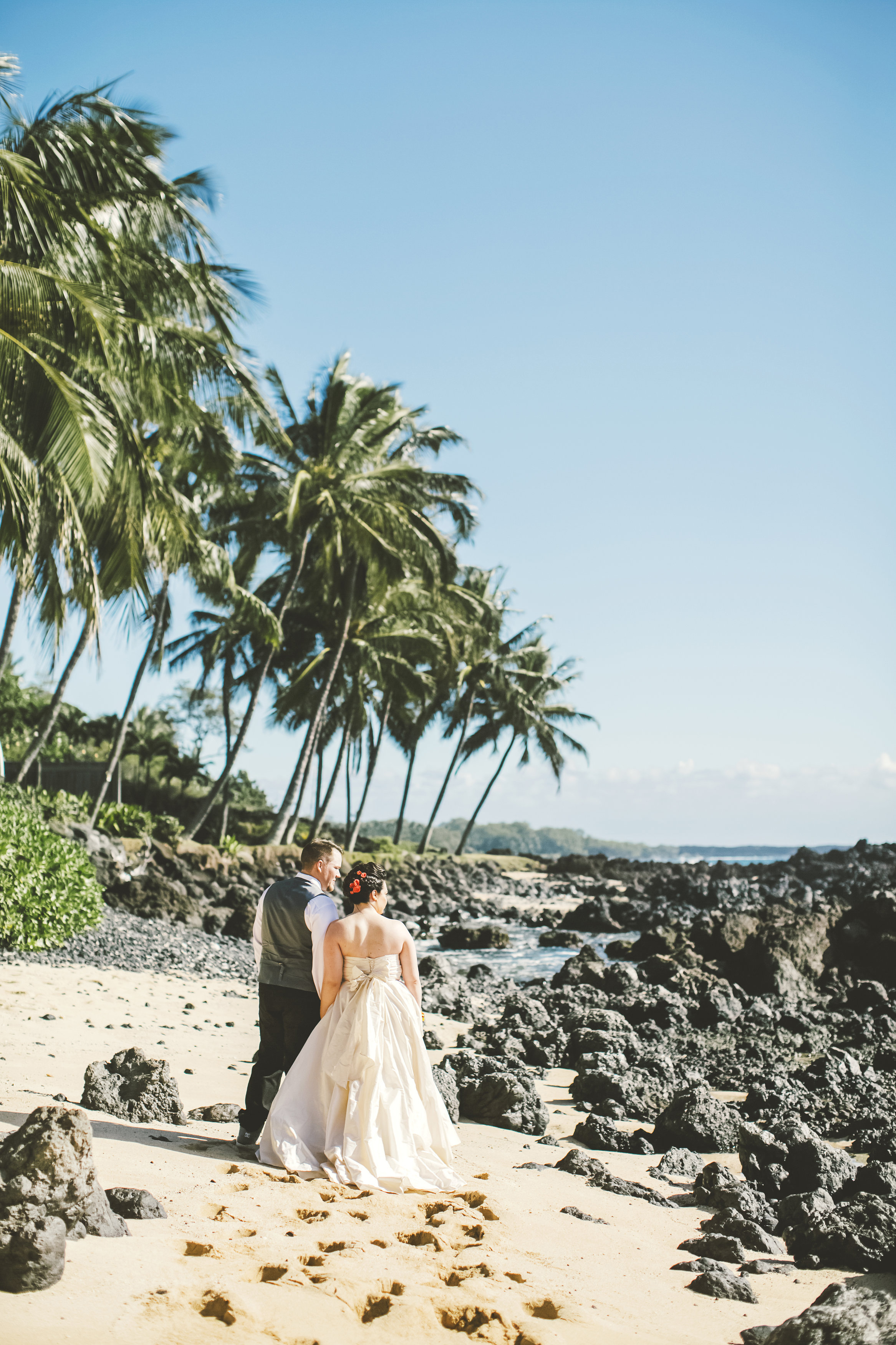 angie-diaz-photography-maui-elopement-32.jpg