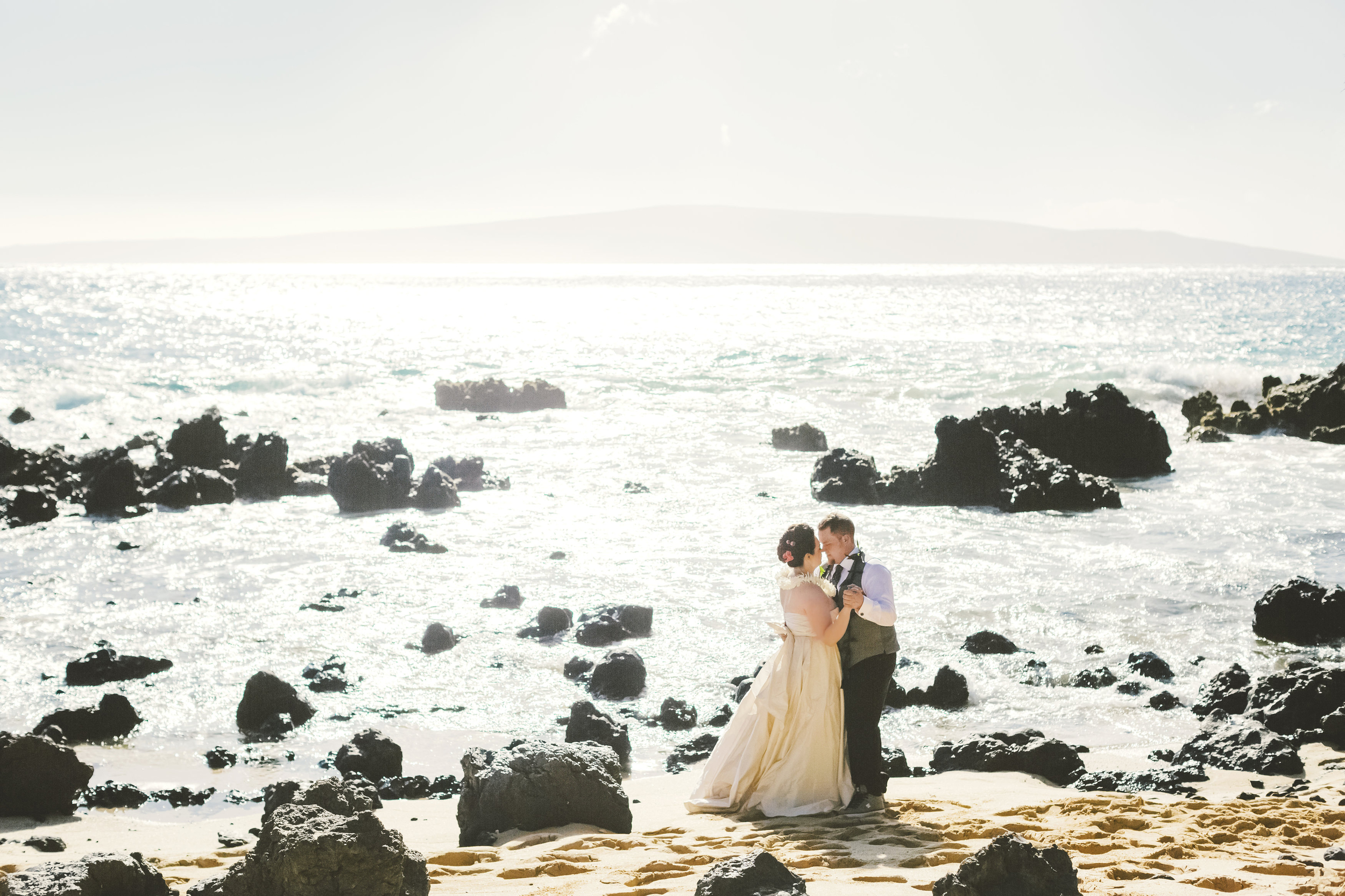 angie-diaz-photography-maui-elopement-37.jpg