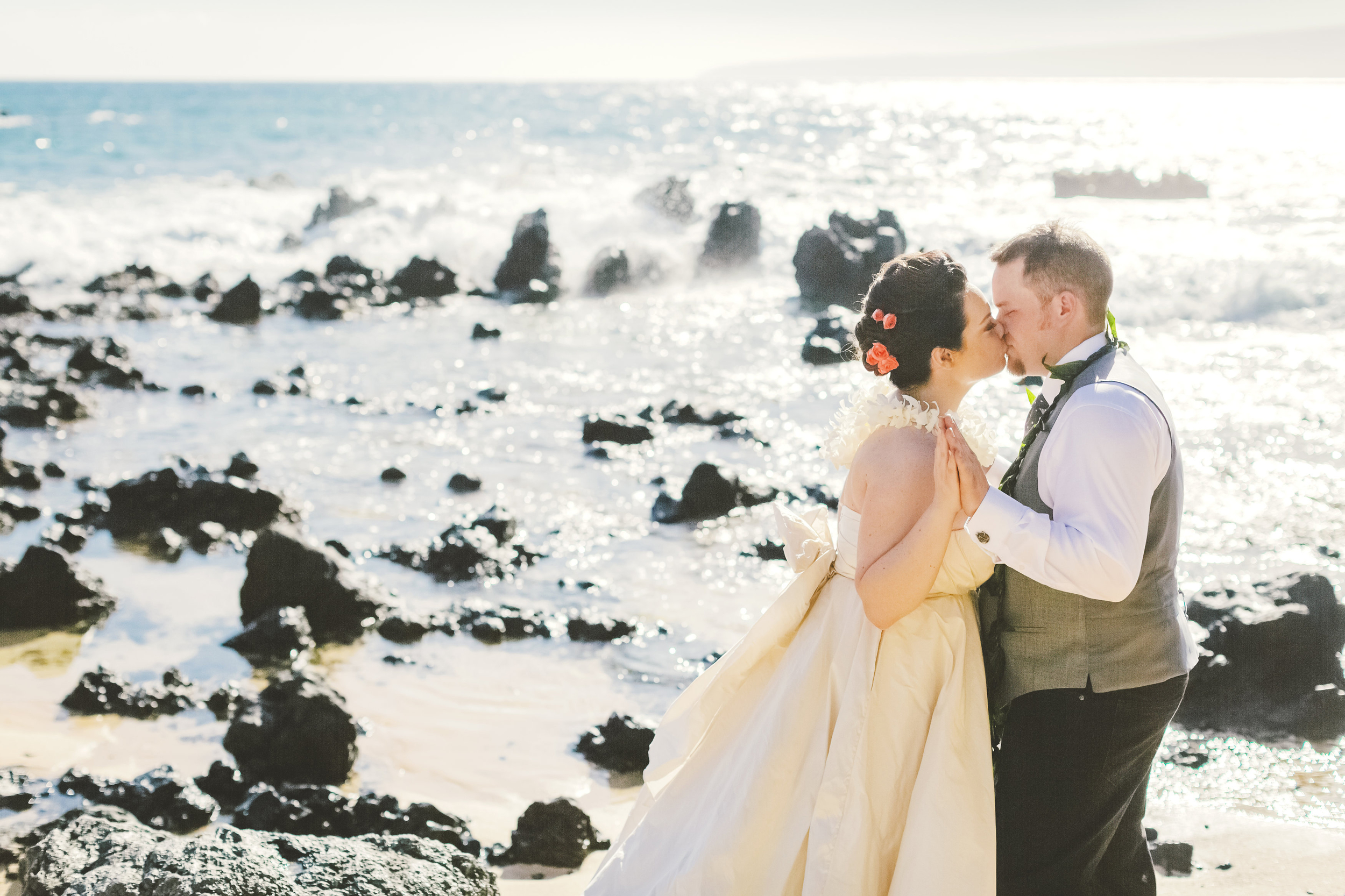 angie-diaz-photography-maui-elopement-40.jpg