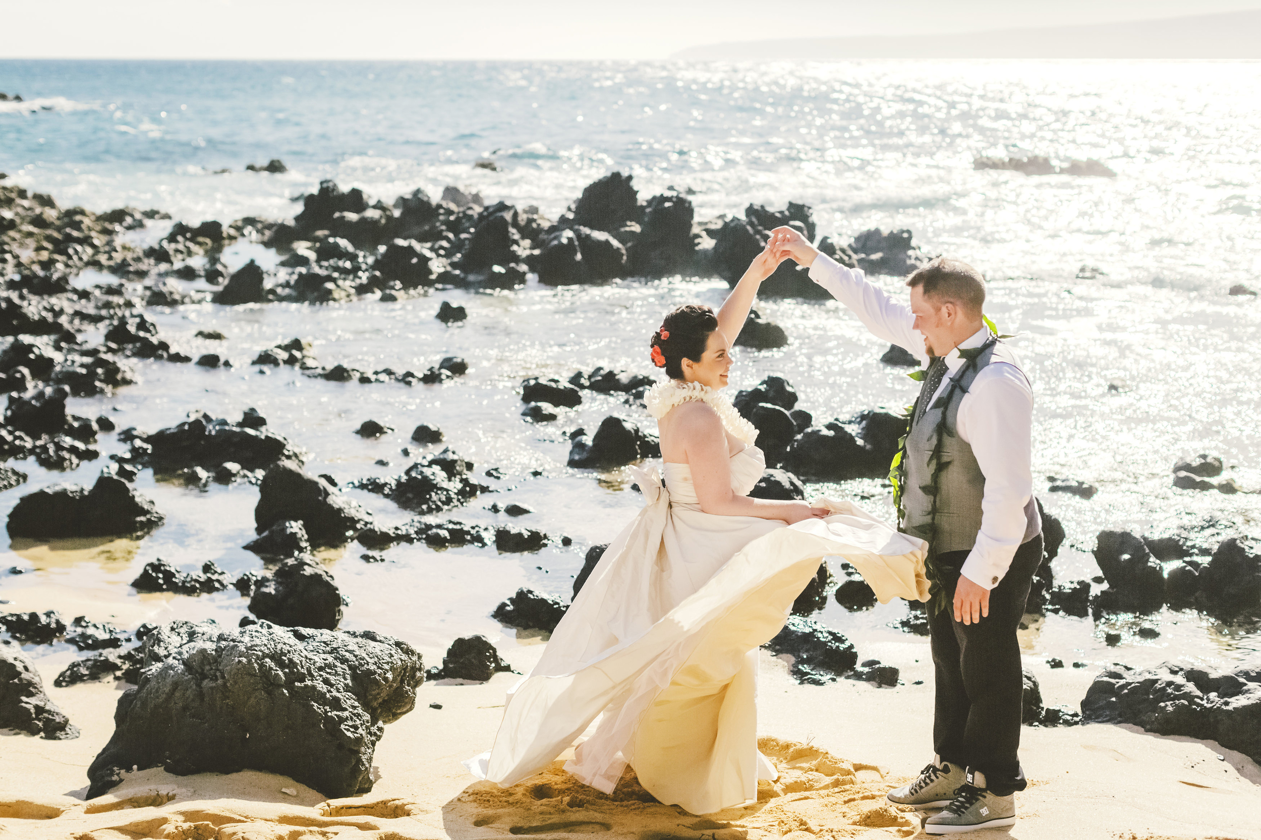 angie-diaz-photography-maui-elopement-39.jpg