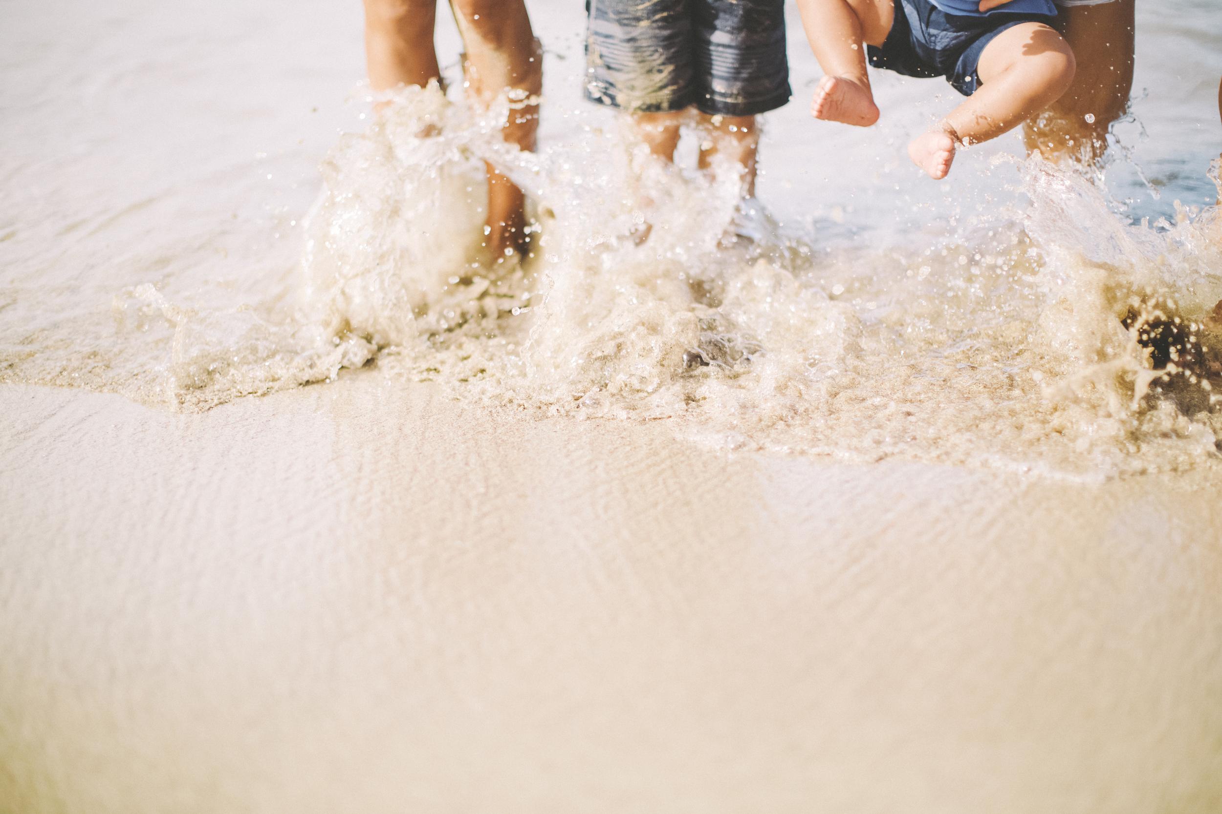AngieDiaz|beachfamilysession093copy.jpg