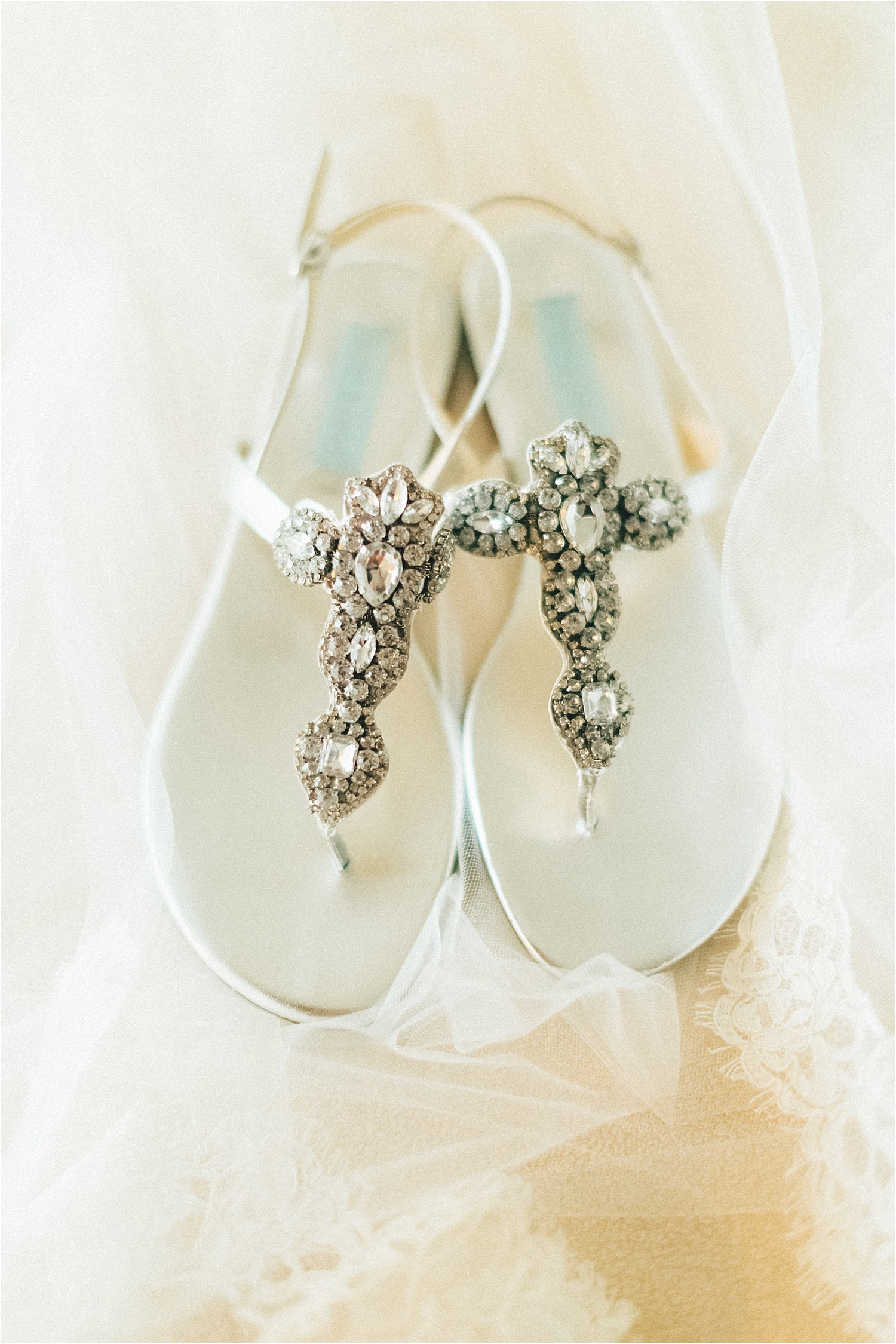 angie-diaz-photography-maui-wedding-ironwoods-beach_0015.jpg