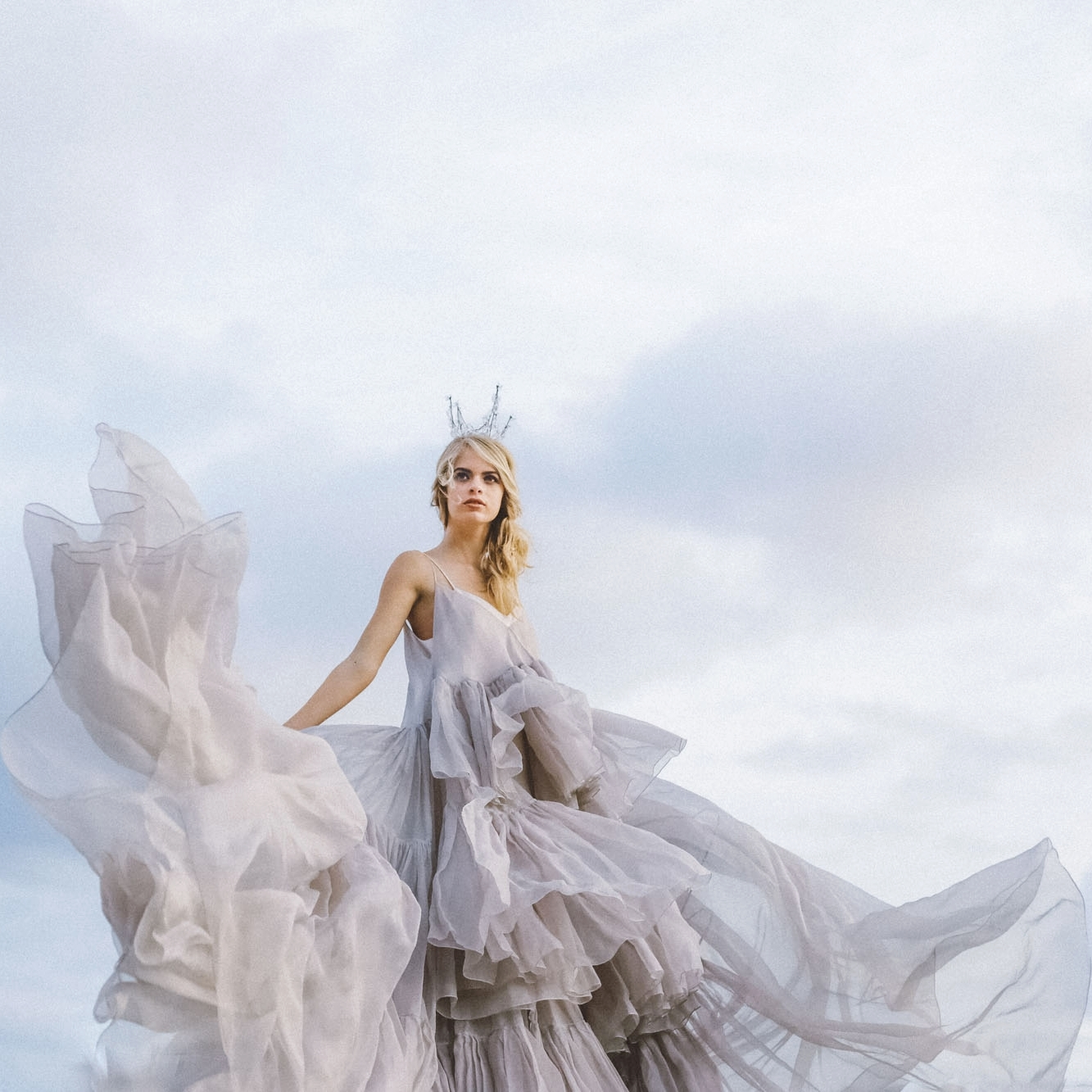 Stunning romantic flowy carol hanna wedding bridal gown oahu donny zavala workshop
