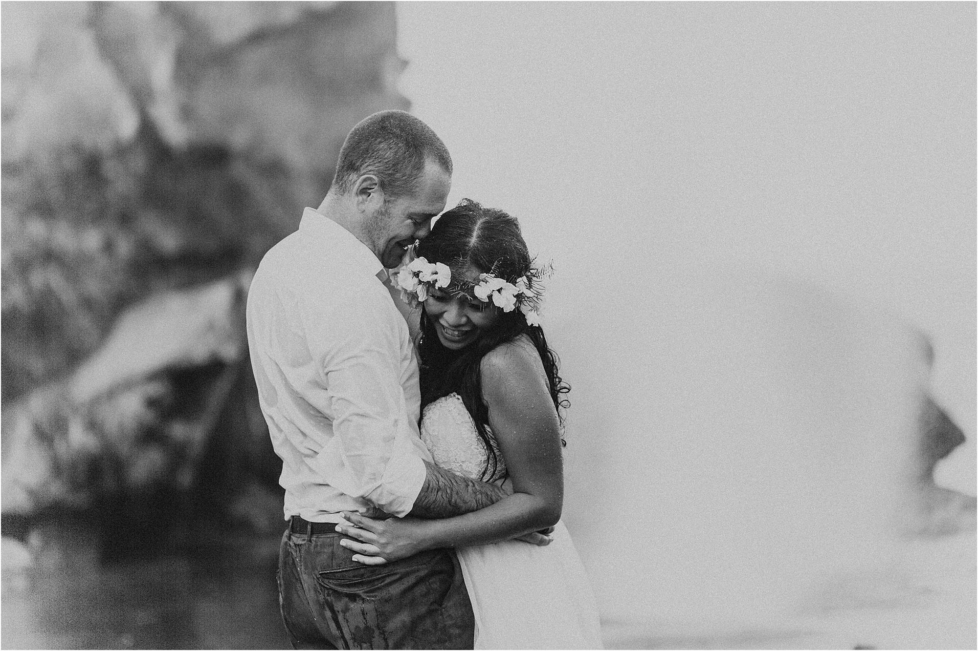 angie-diaz-photography-maui-wedding-nakalele-blowhole_0028.jpg