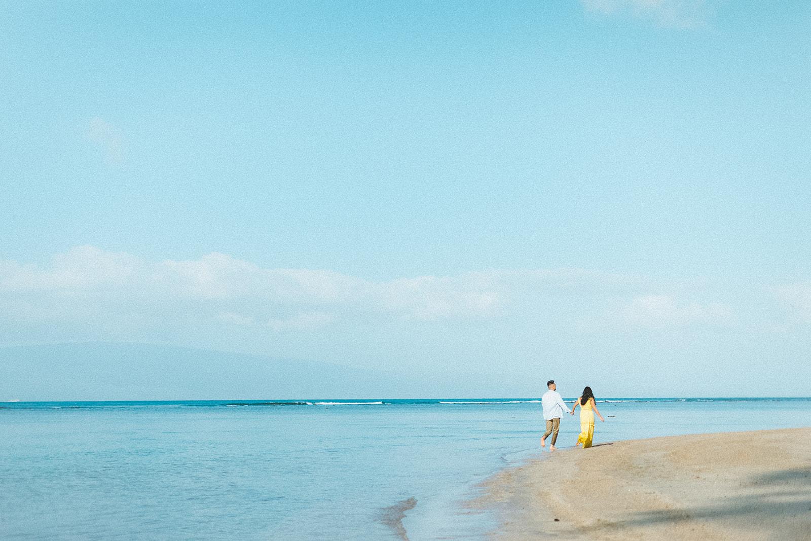 maui beach engagement session379.jpg