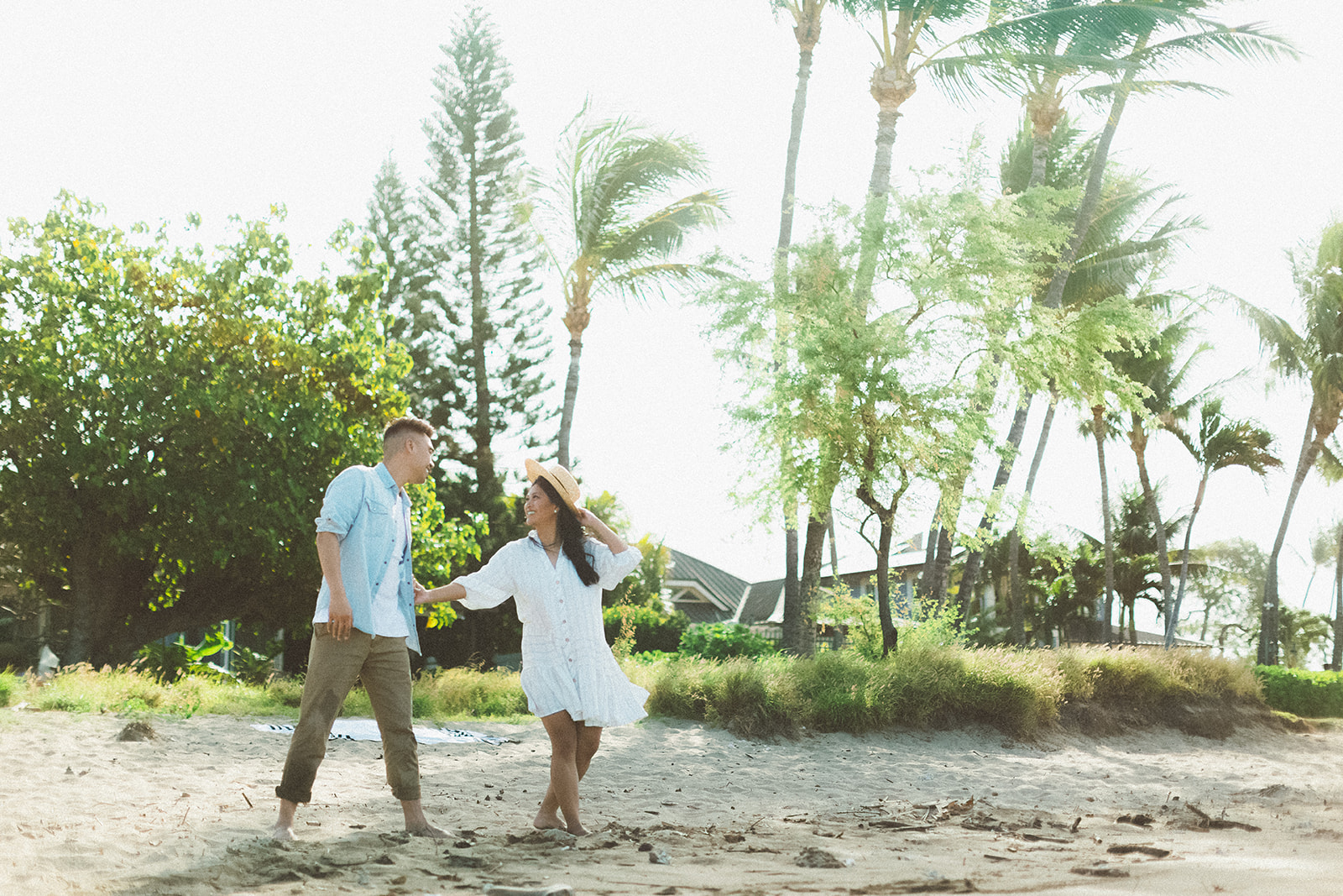 maui beach engagement session398.jpg