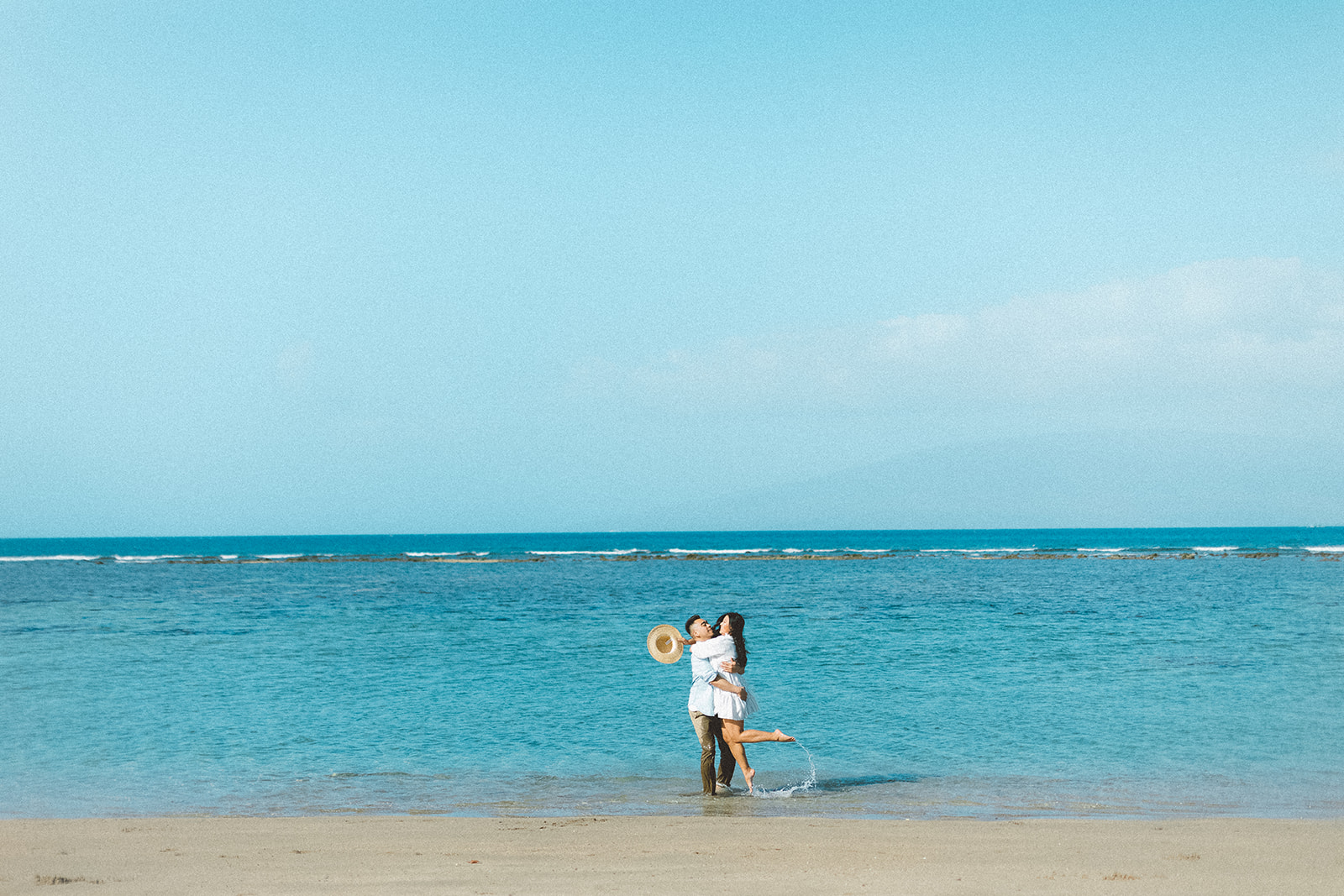 maui beach engagement session411.jpg