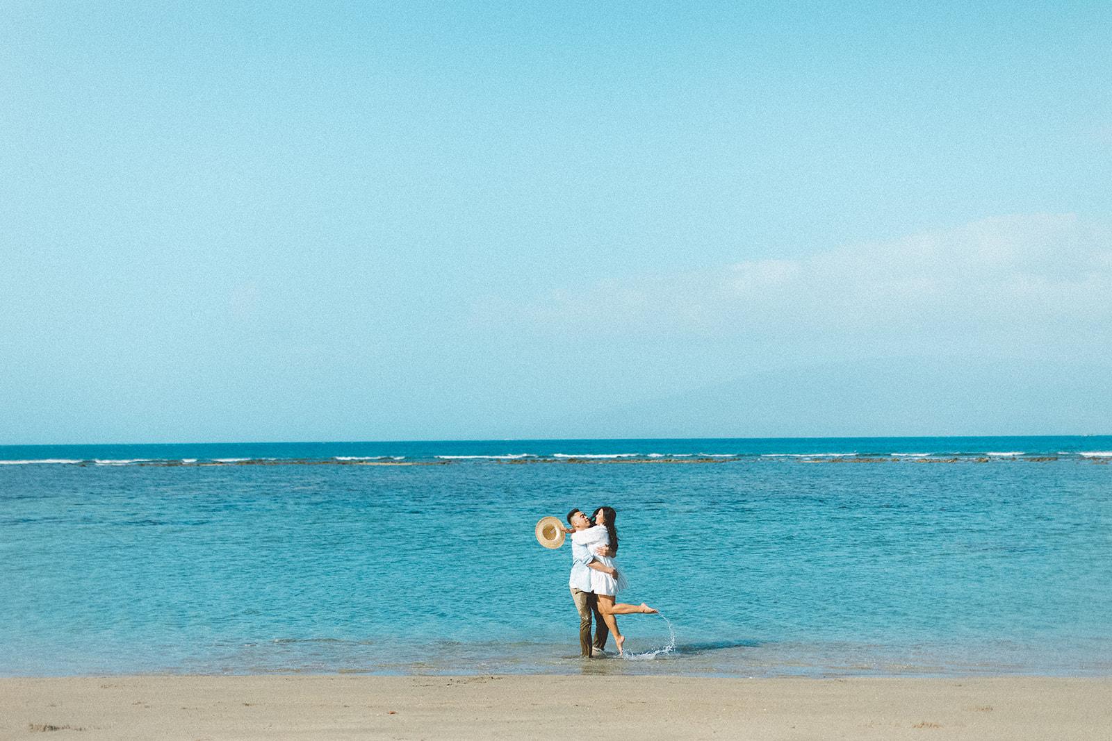 maui beach engagement session411.jpg