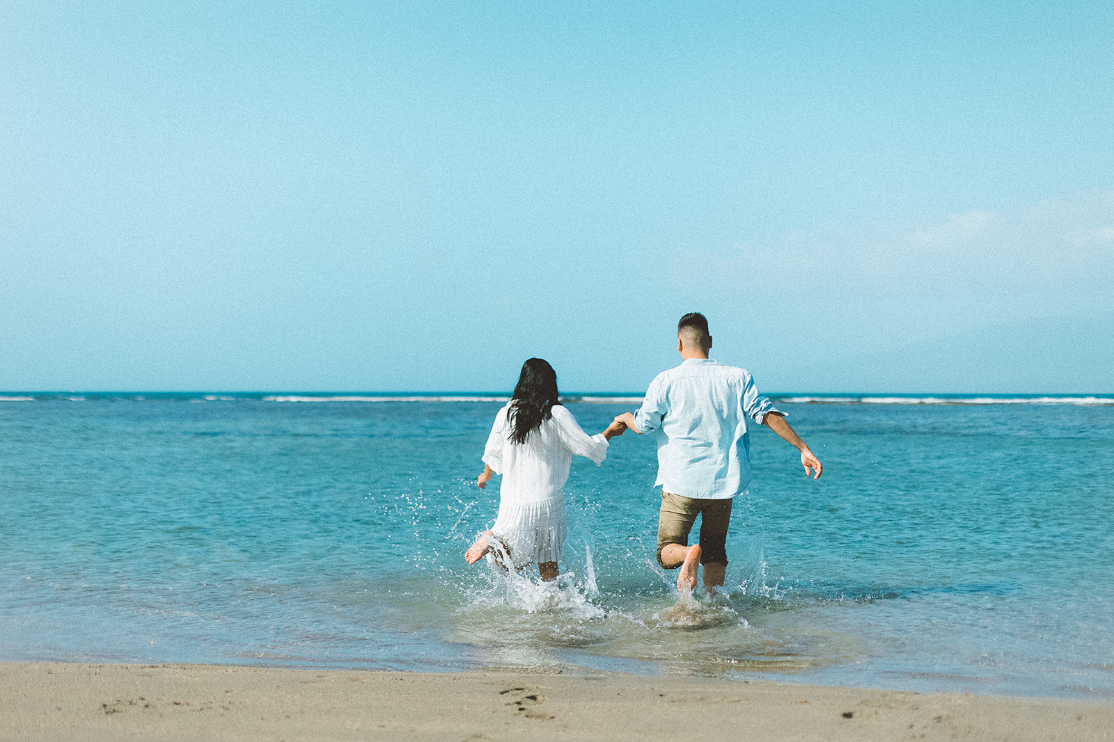 maui beach engagement session412.jpg