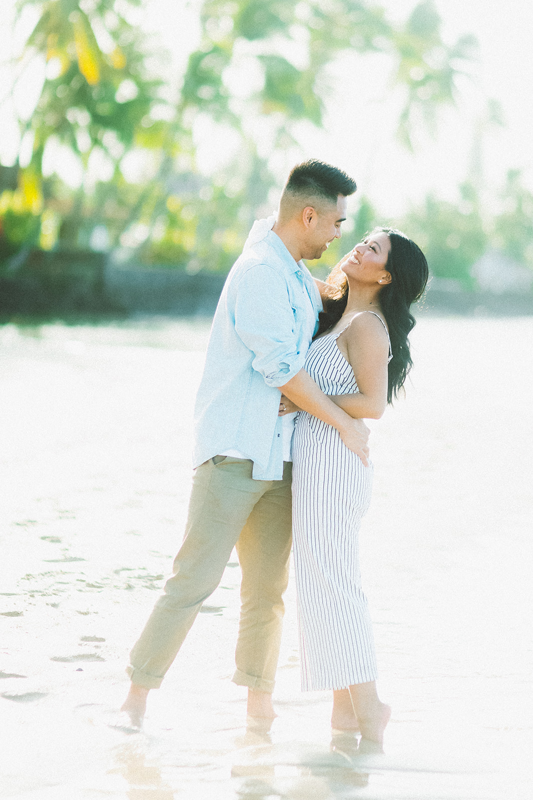 maui beach engagement session339.jpg