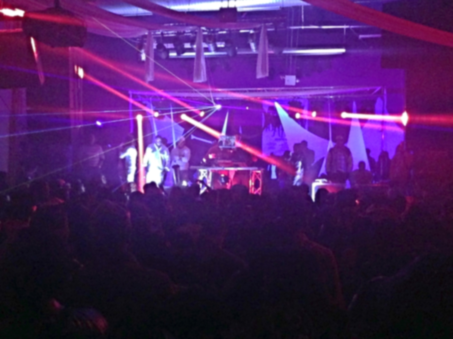 All 400 (or something like that) deejays at Madd Sick pt. 11