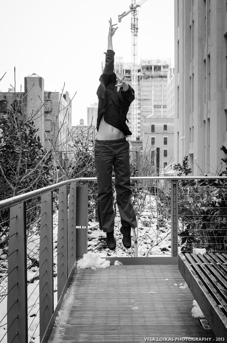 GROOVE - Street modern dance photo shoot with Julia Burrer