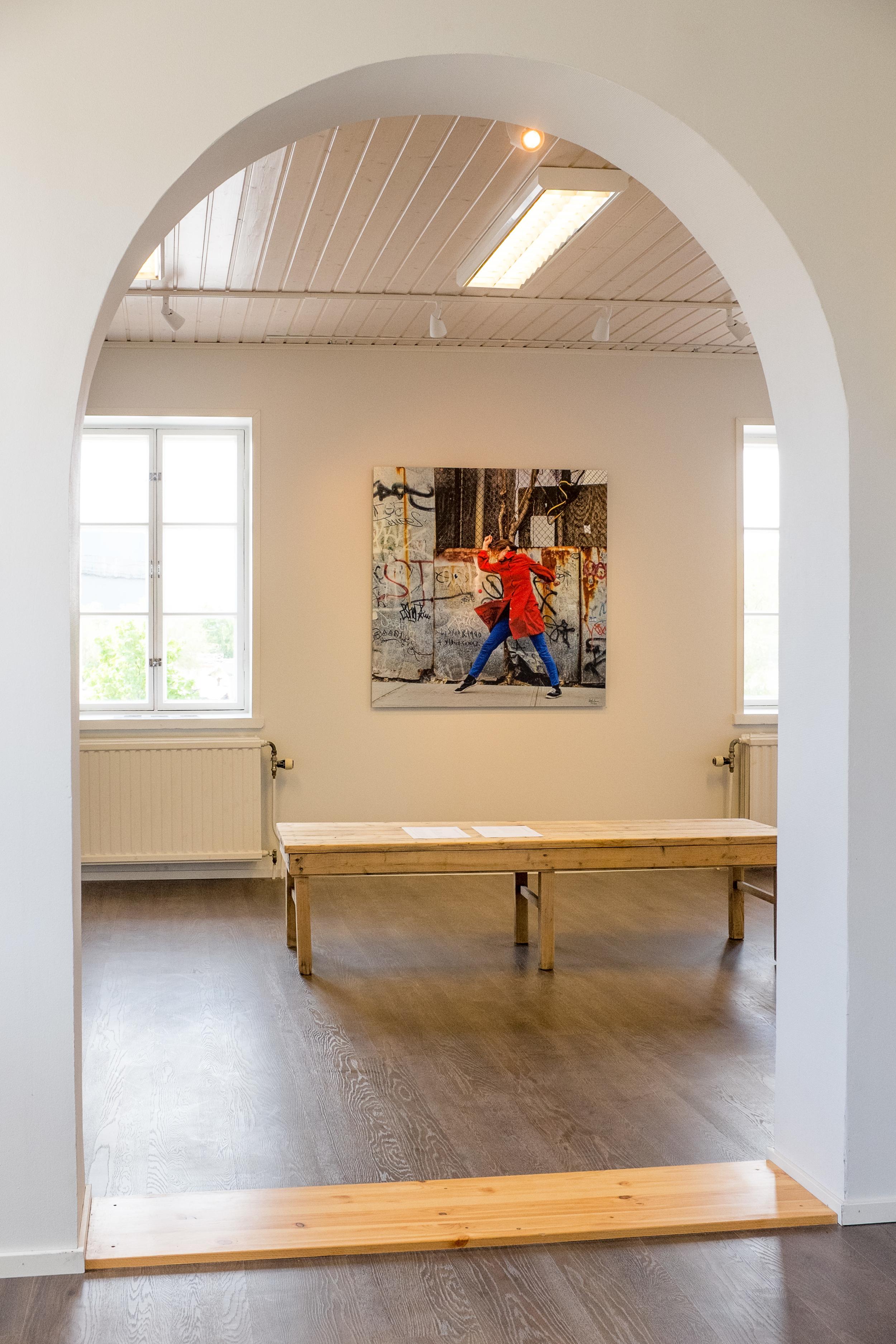 RAPID DEVELOPMENT #001 - 1ST EDITION - 120 X 120 CM - gallery view upstairs