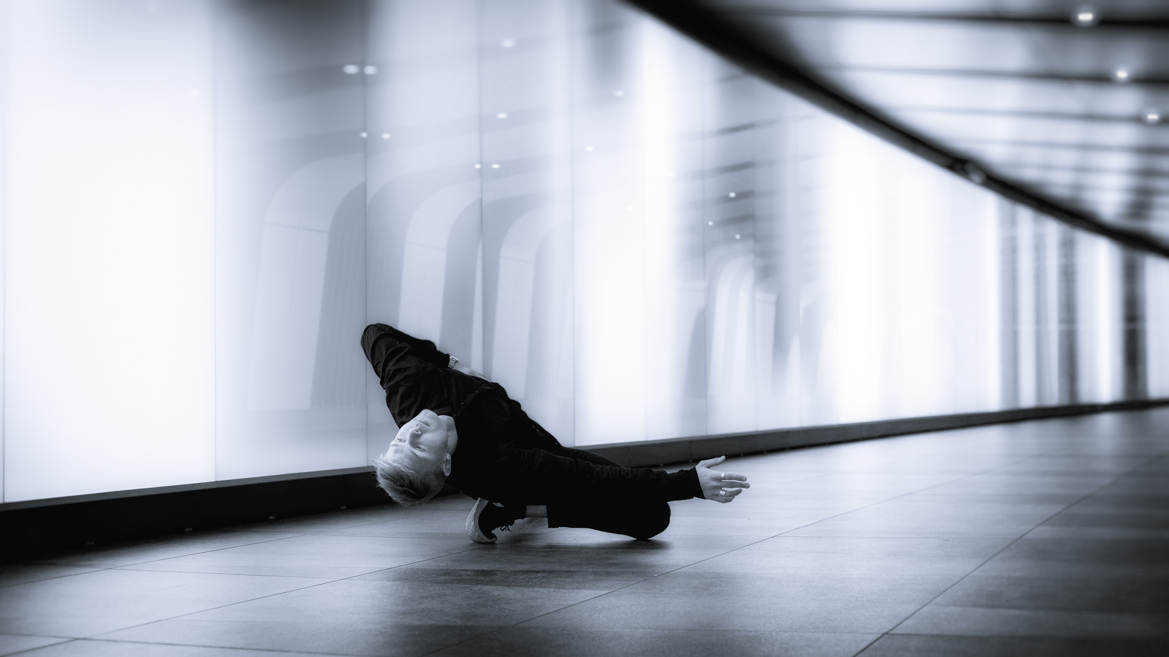 TUNNEL VISION   series     ⫩  Kings Cross station pedestrian tunnel, Camden, London.  Dancer:  Vincent Malmberg