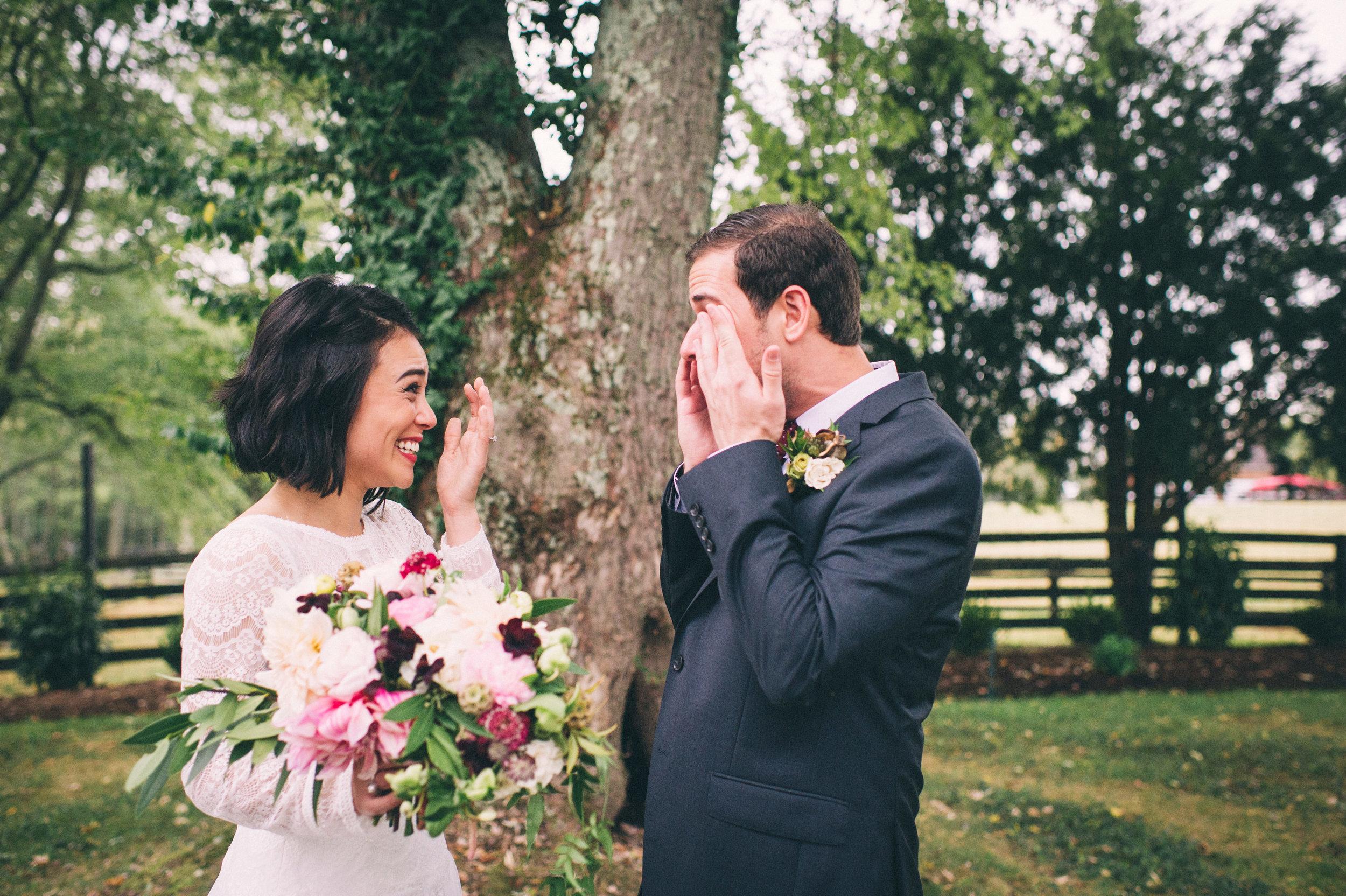 Sarah-Katherine-Davis-Photography-Louisville-Kentucky-Wedding-Photographer-Blush-Greens-Outdoor-Burgundy