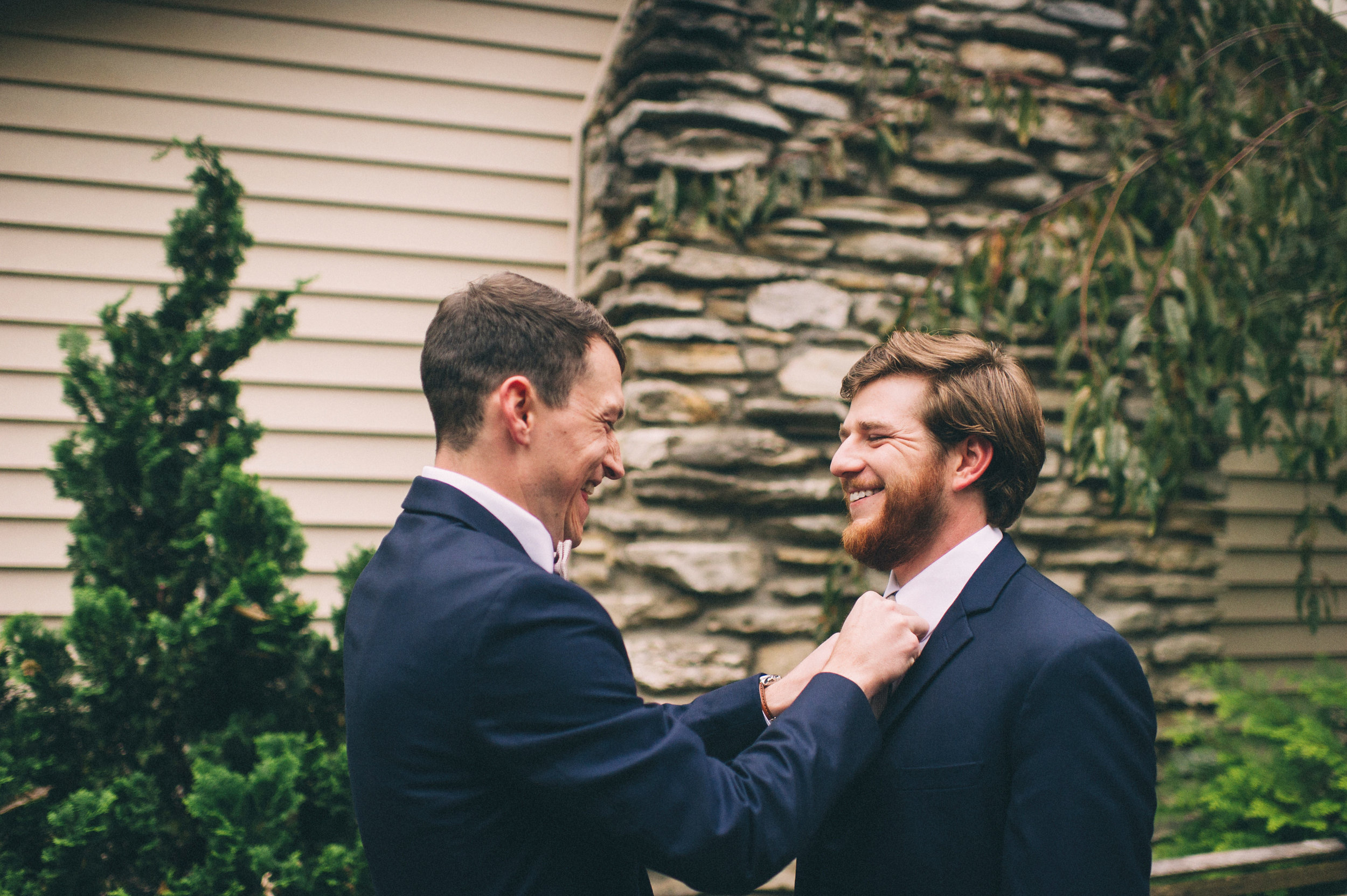 Micaha & Austin // Cozy Autumn Wedding at Springhouse Gardens // Lexington, Kentucky // Wedding Photography // Groom Getting Ready