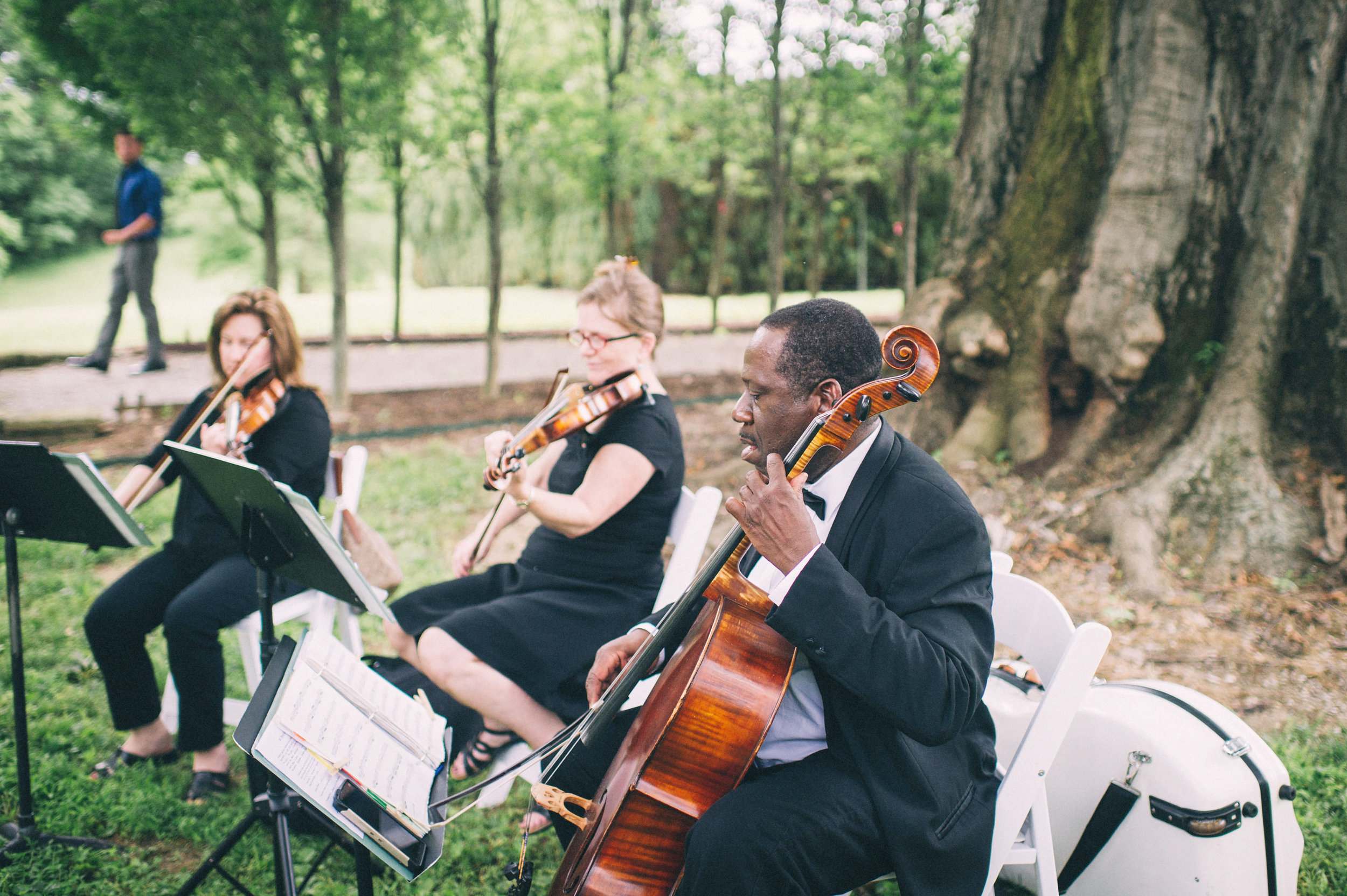 Elle & Suzy // Spring Wedding at the Lincliffe Estate // LGBTQ Kentucky Wedding Photographer // Louisville Engagement Photography // String Quartet