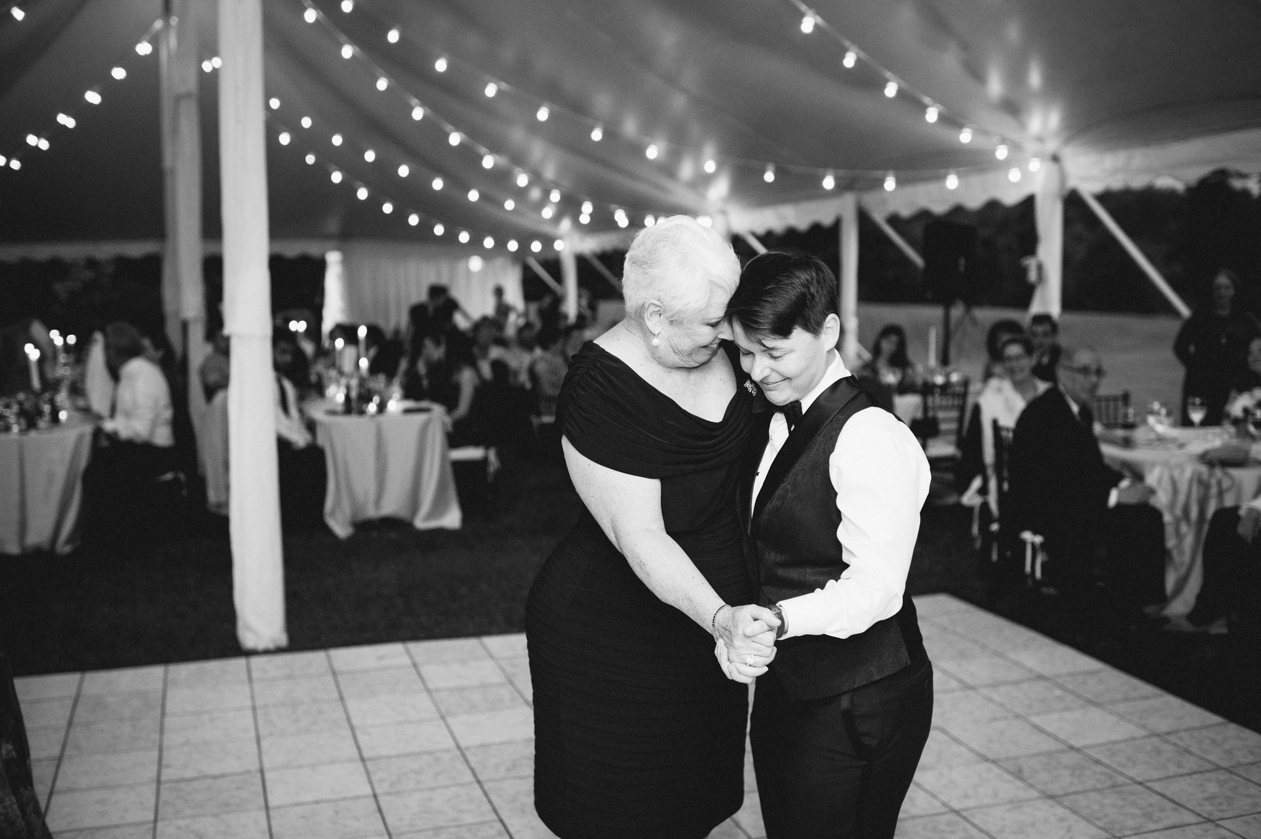 Elle & Suzy // Spring Wedding at the Lincliffe Estate // LGBTQ Kentucky Wedding Photographer // Louisville Engagement Photography // Reception // Dancing