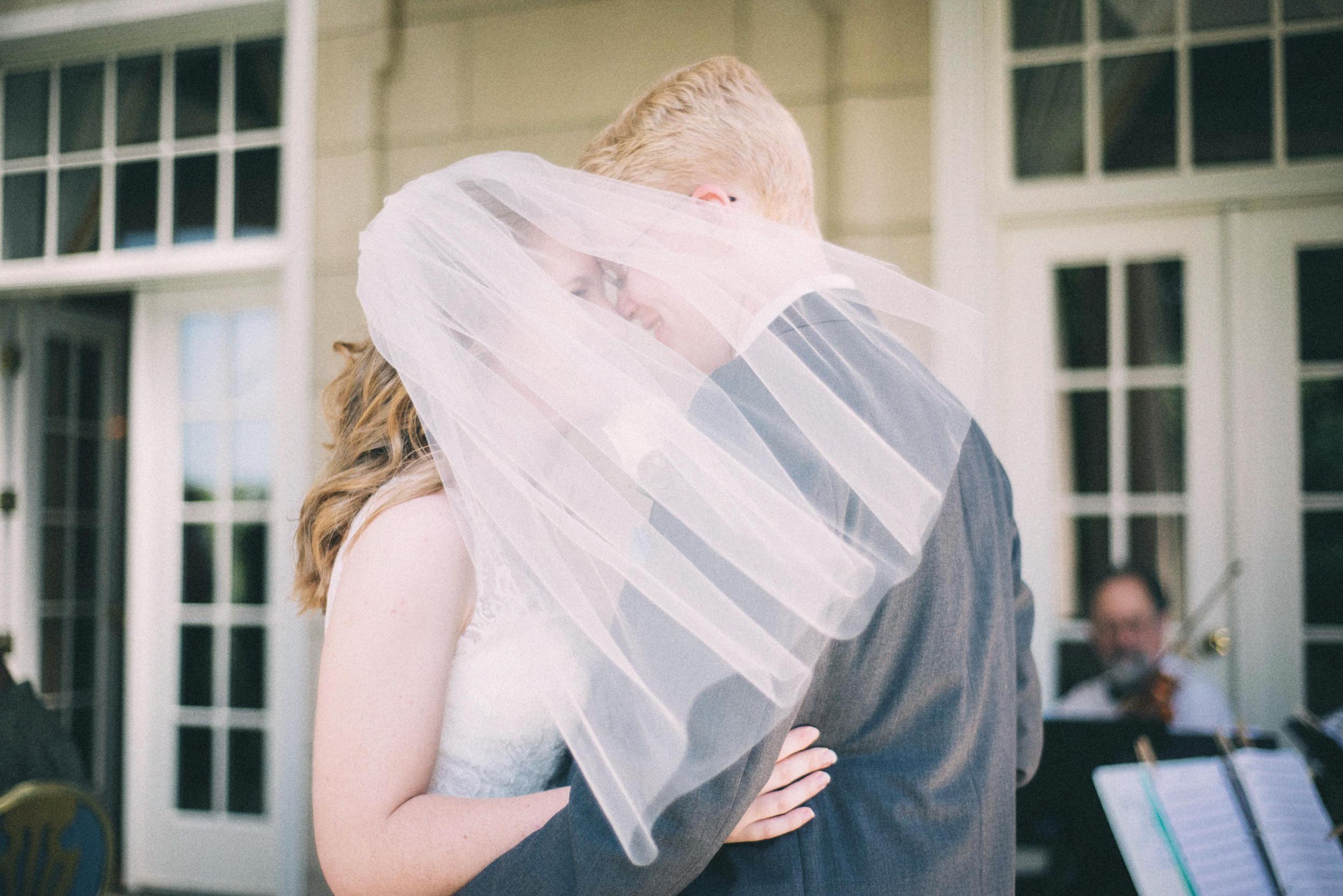 Jenna-Patrick-Garden-Court-Presbyterian-Seminary-Wedding-Louisville-Kentucky-Sarah-Katherine-Davis-Photography-9.jpg