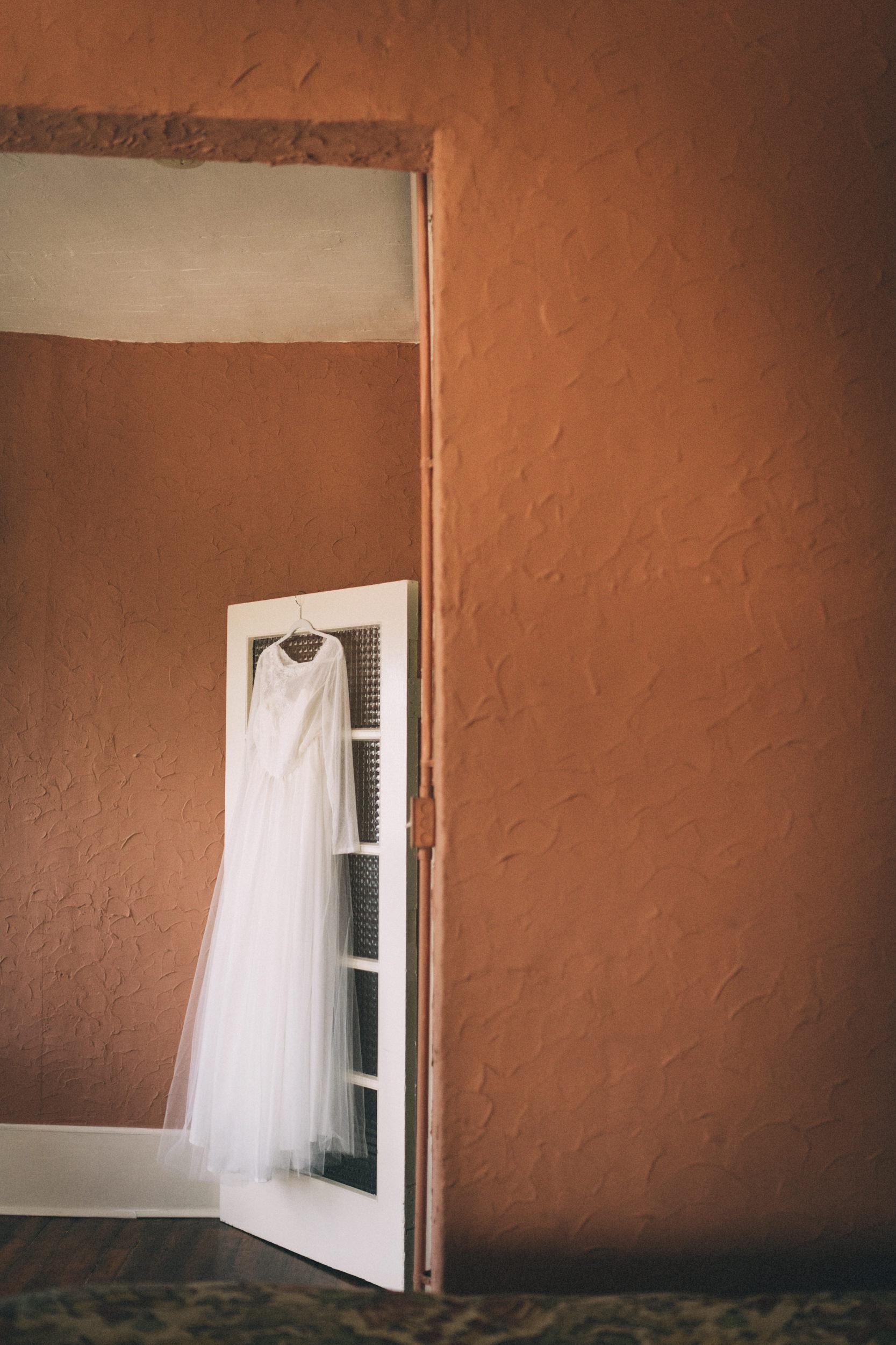 lauren-dean-wedding-grand-lodge-kentucky-sarah-katherine-davis-photography-dress