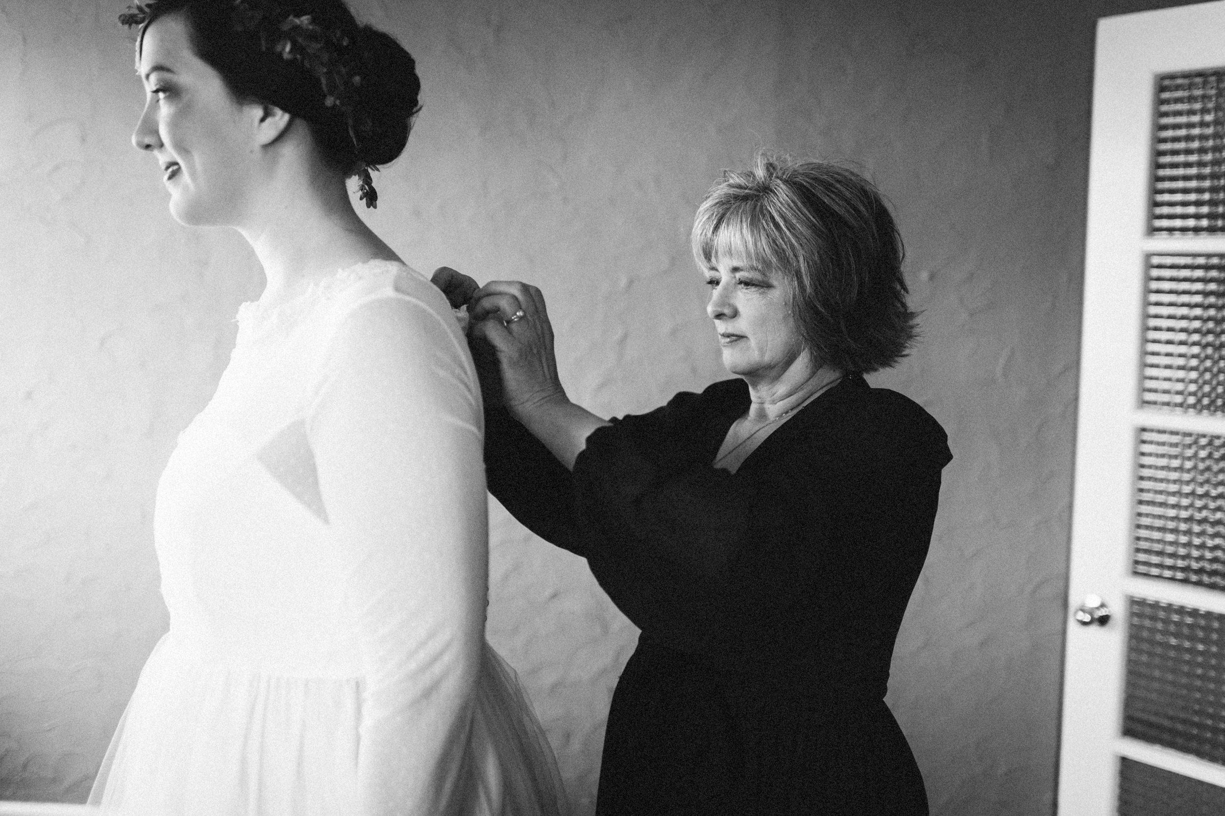 lauren-dean-wedding-grand-lodge-kentucky-sarah-katherine-davis-photography-75bw.jpg