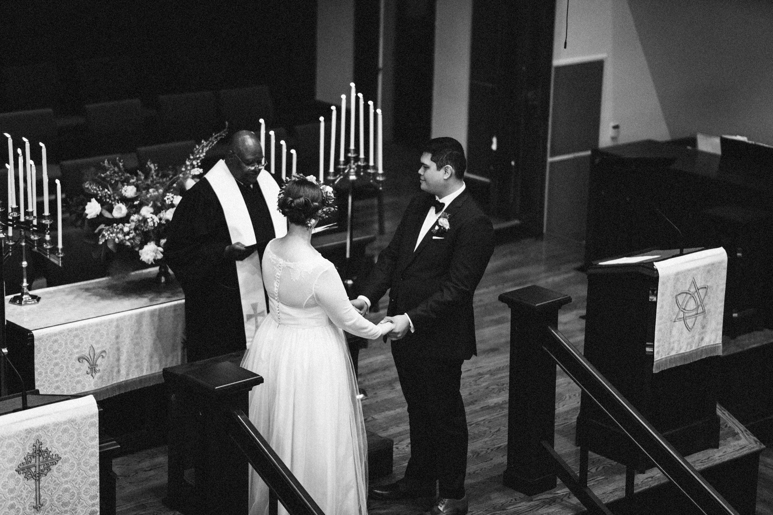 lauren-dean-wedding-grand-lodge-kentucky-sarah-katherine-davis-photography-338bw.jpg