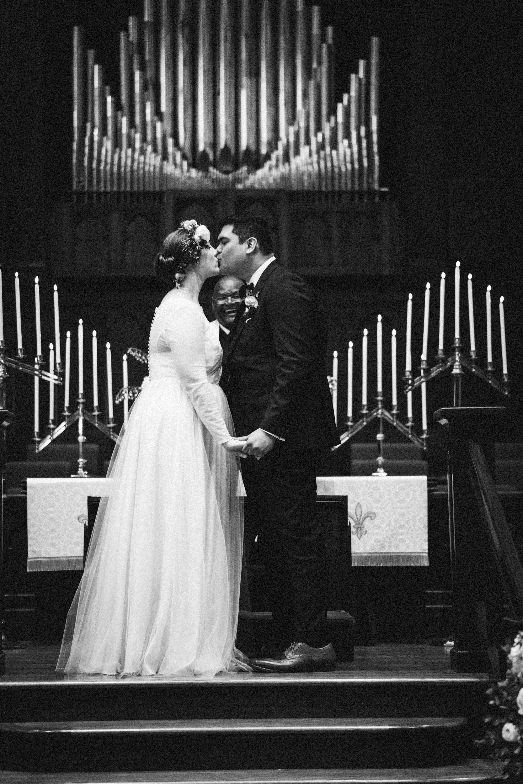 lauren-dean-wedding-grand-lodge-kentucky-sarah-katherine-davis-photography-399bw.jpg