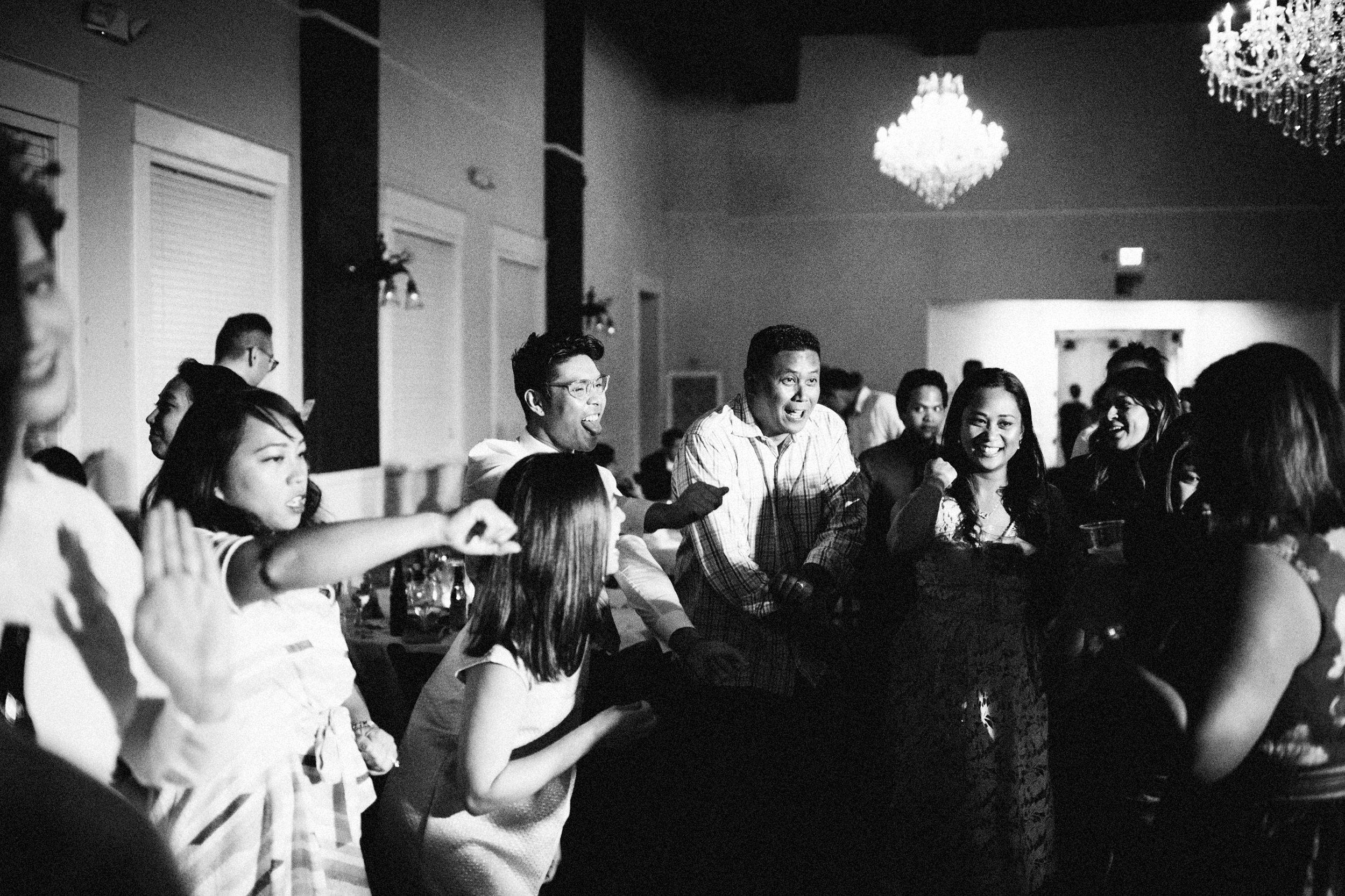 lauren-dean-wedding-grand-lodge-kentucky-sarah-katherine-davis-photography-696edit.jpg