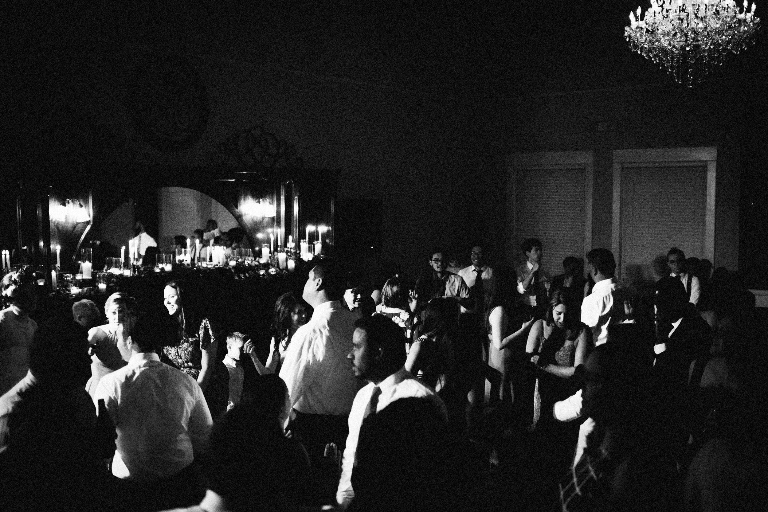 lauren-dean-wedding-grand-lodge-kentucky-sarah-katherine-davis-photography-694edit.jpg