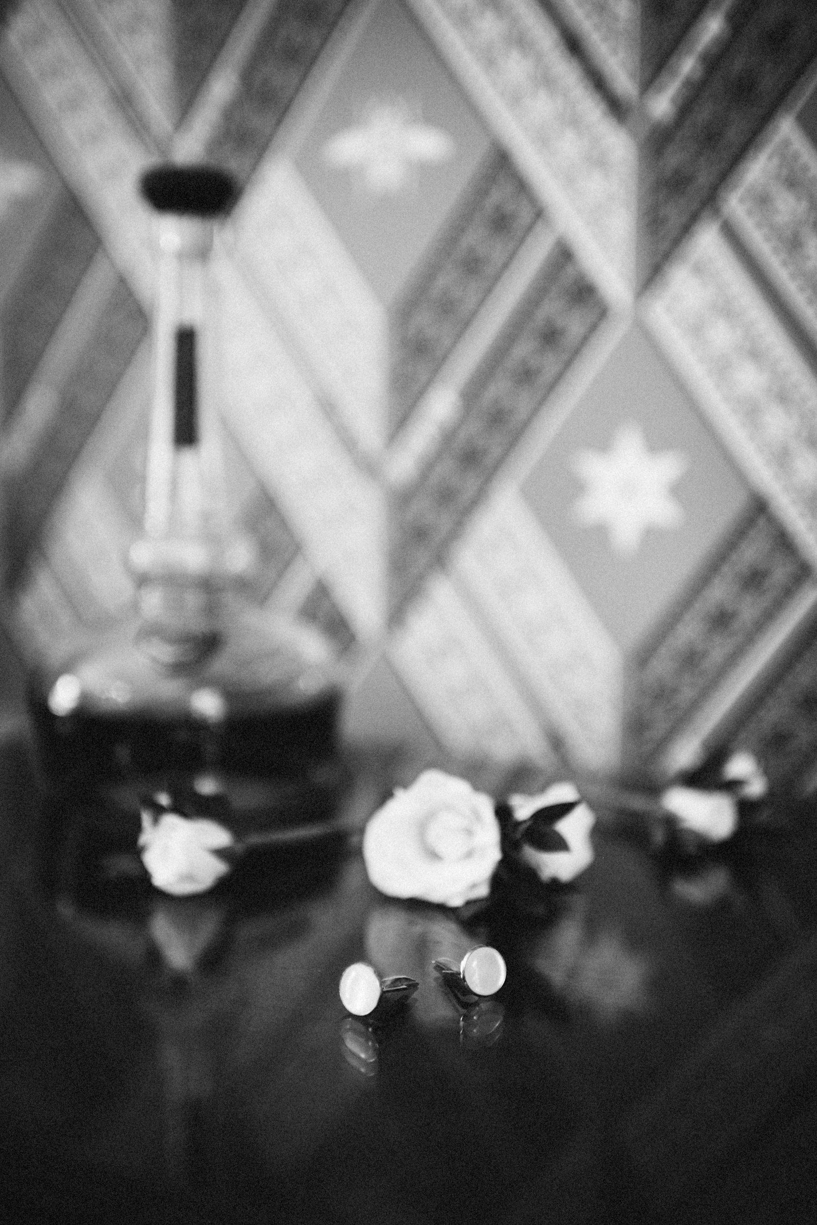 Louisville-Kentucky-Wedding-Elopement-Photographer-Sarah-Katherine-Davis-Photography-Whitehall-Classic-Timeless-Garden-Wedding-44.jpg