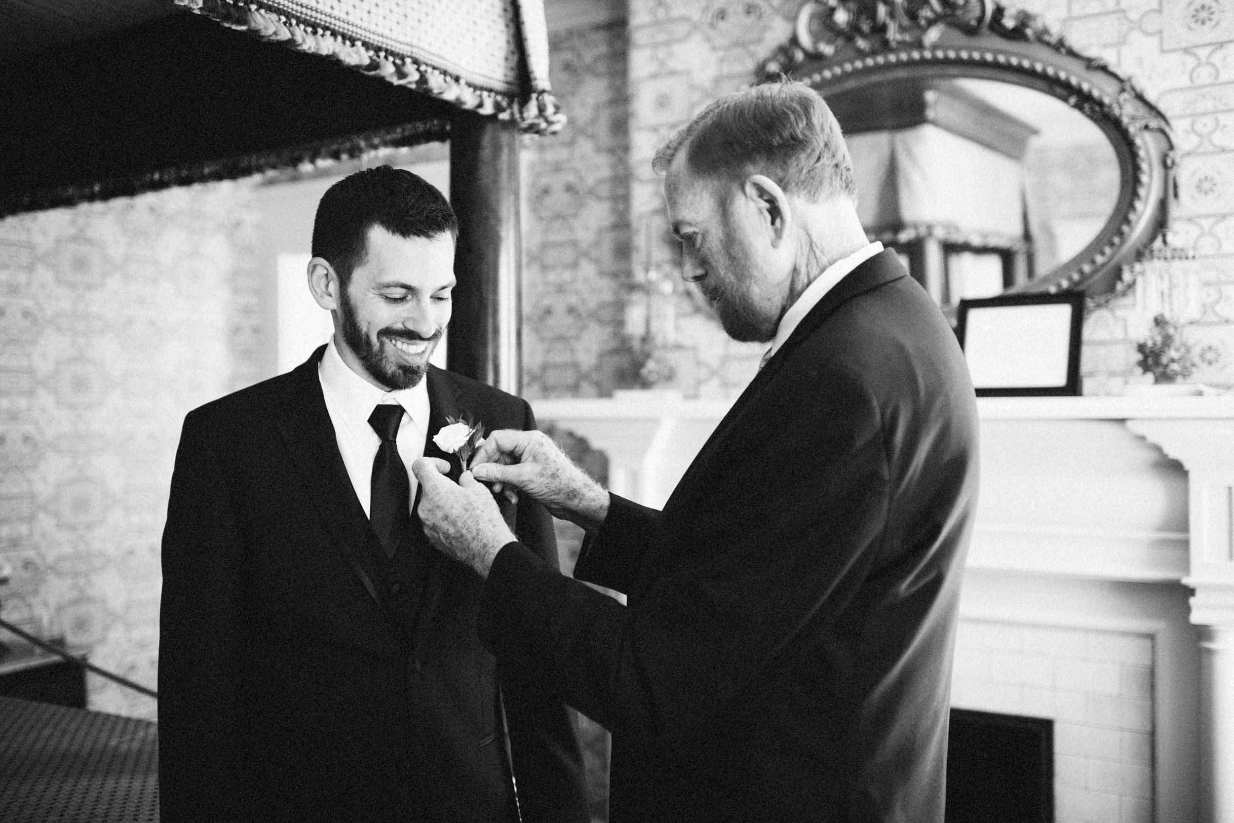 Louisville-Kentucky-Wedding-Elopement-Photographer-Sarah-Katherine-Davis-Photography-Whitehall-Classic-Timeless-Garden-Wedding-58.jpg