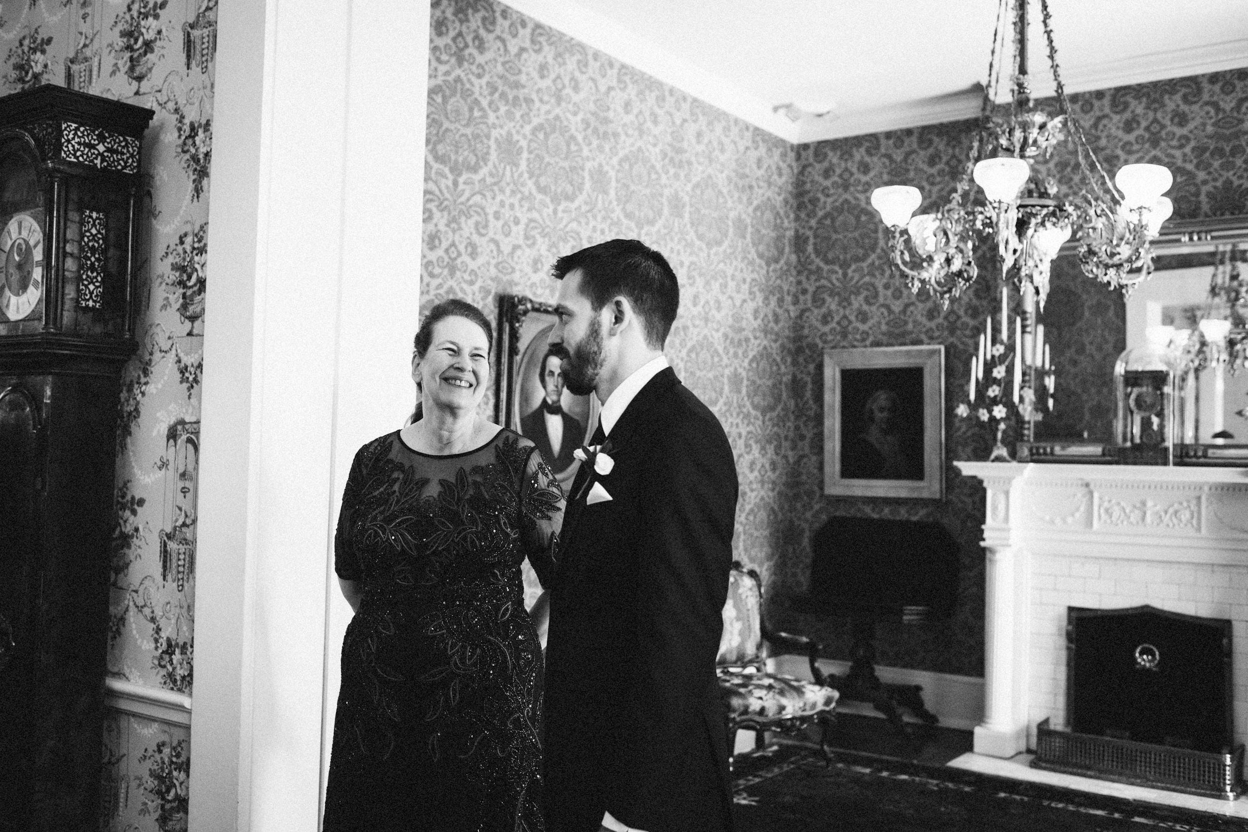 Louisville-Kentucky-Wedding-Elopement-Photographer-Sarah-Katherine-Davis-Photography-Whitehall-Classic-Timeless-Garden-Wedding-67.jpg
