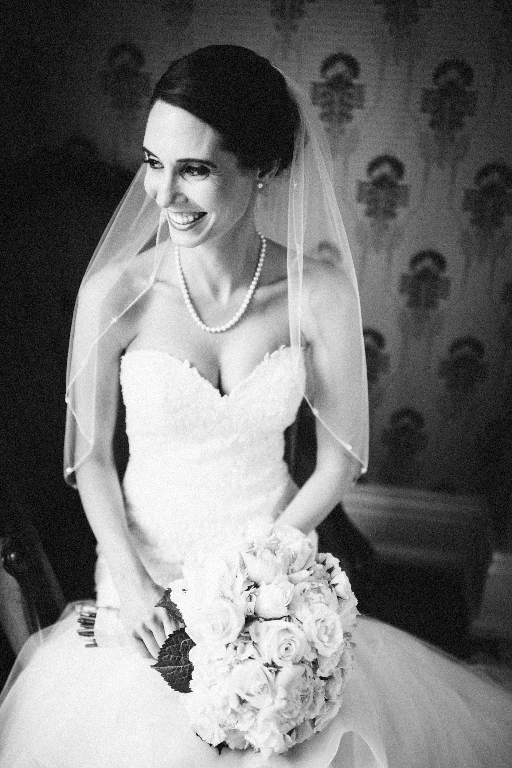 Louisville-Kentucky-Wedding-Elopement-Photographer-Sarah-Katherine-Davis-Photography-Whitehall-Classic-Timeless-Garden-Wedding-200.jpg