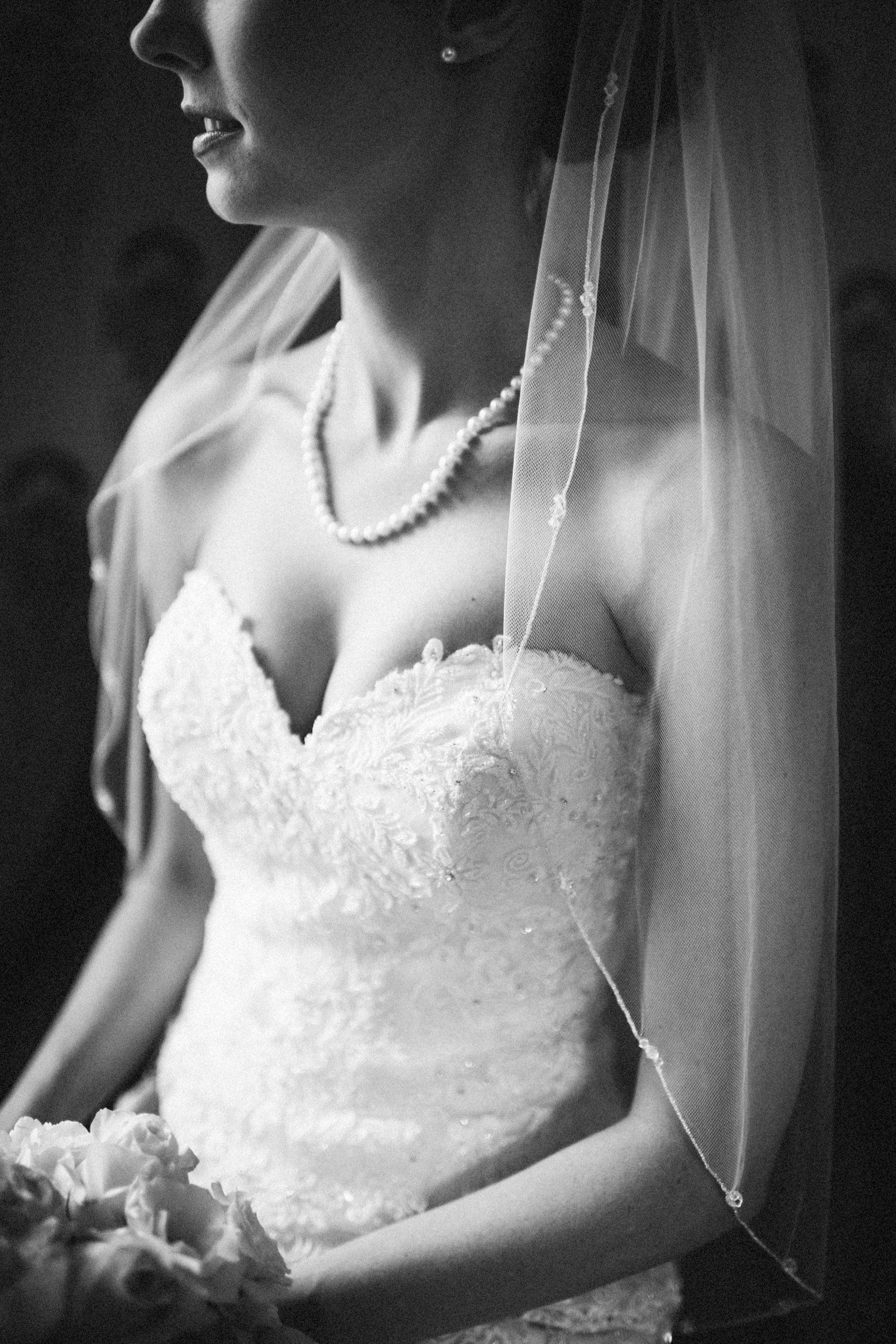 Louisville-Kentucky-Wedding-Elopement-Photographer-Sarah-Katherine-Davis-Photography-Whitehall-Classic-Timeless-Garden-Wedding-203.jpg