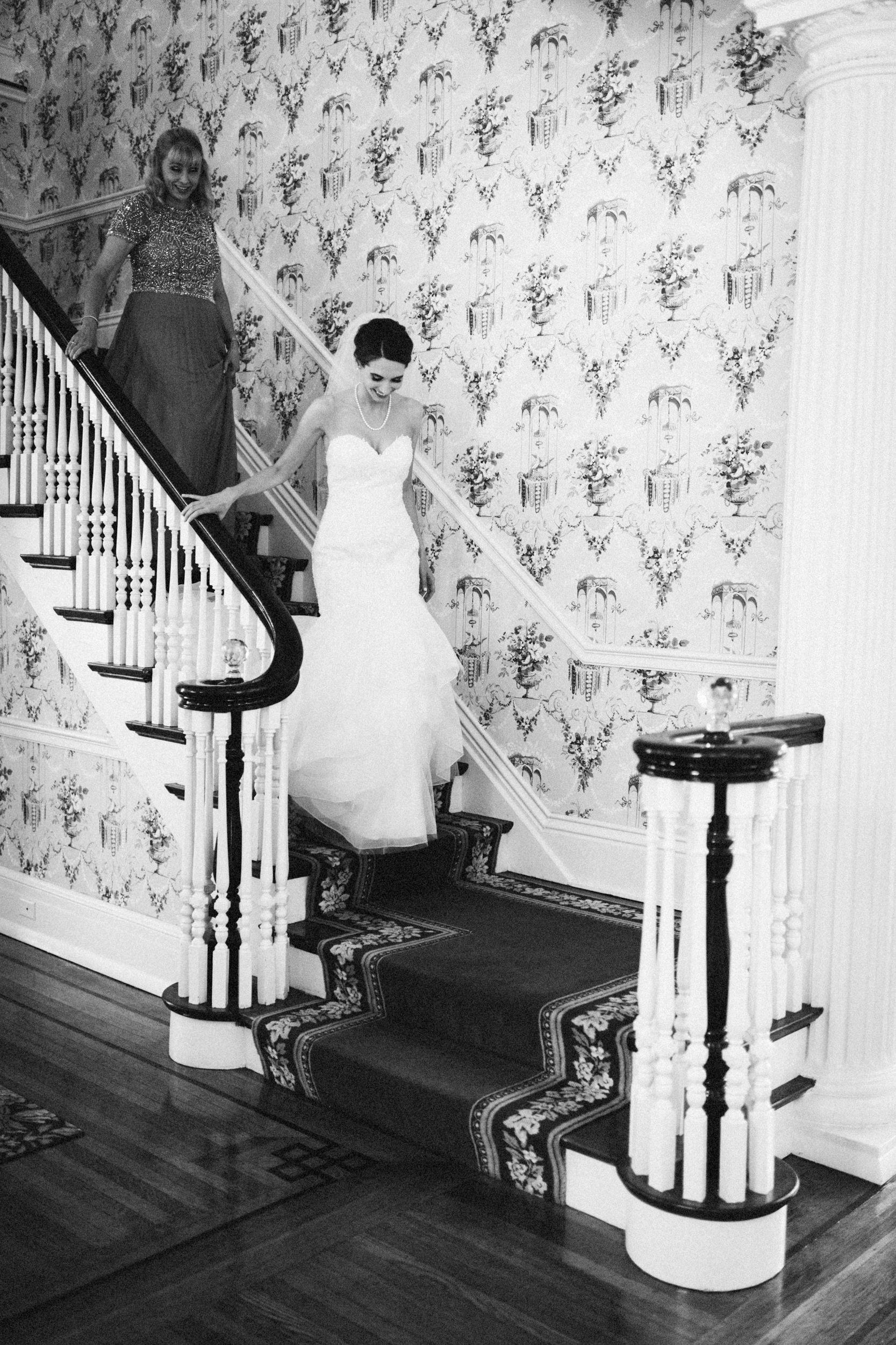 Louisville-Kentucky-Wedding-Elopement-Photographer-Sarah-Katherine-Davis-Photography-Whitehall-Classic-Timeless-Garden-Wedding-212.jpg