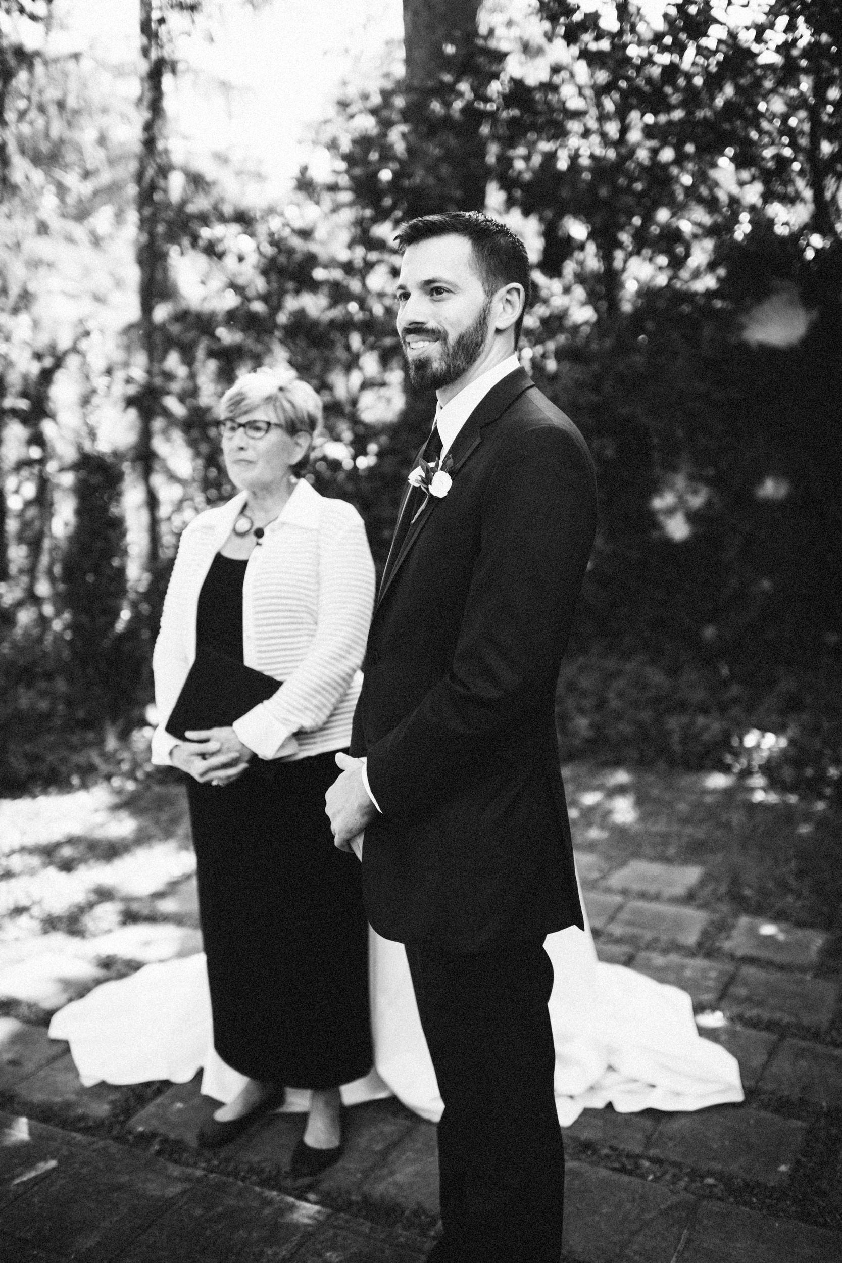 Louisville-Kentucky-Wedding-Elopement-Photographer-Sarah-Katherine-Davis-Photography-Whitehall-Classic-Timeless-Garden-Wedding-315.jpg