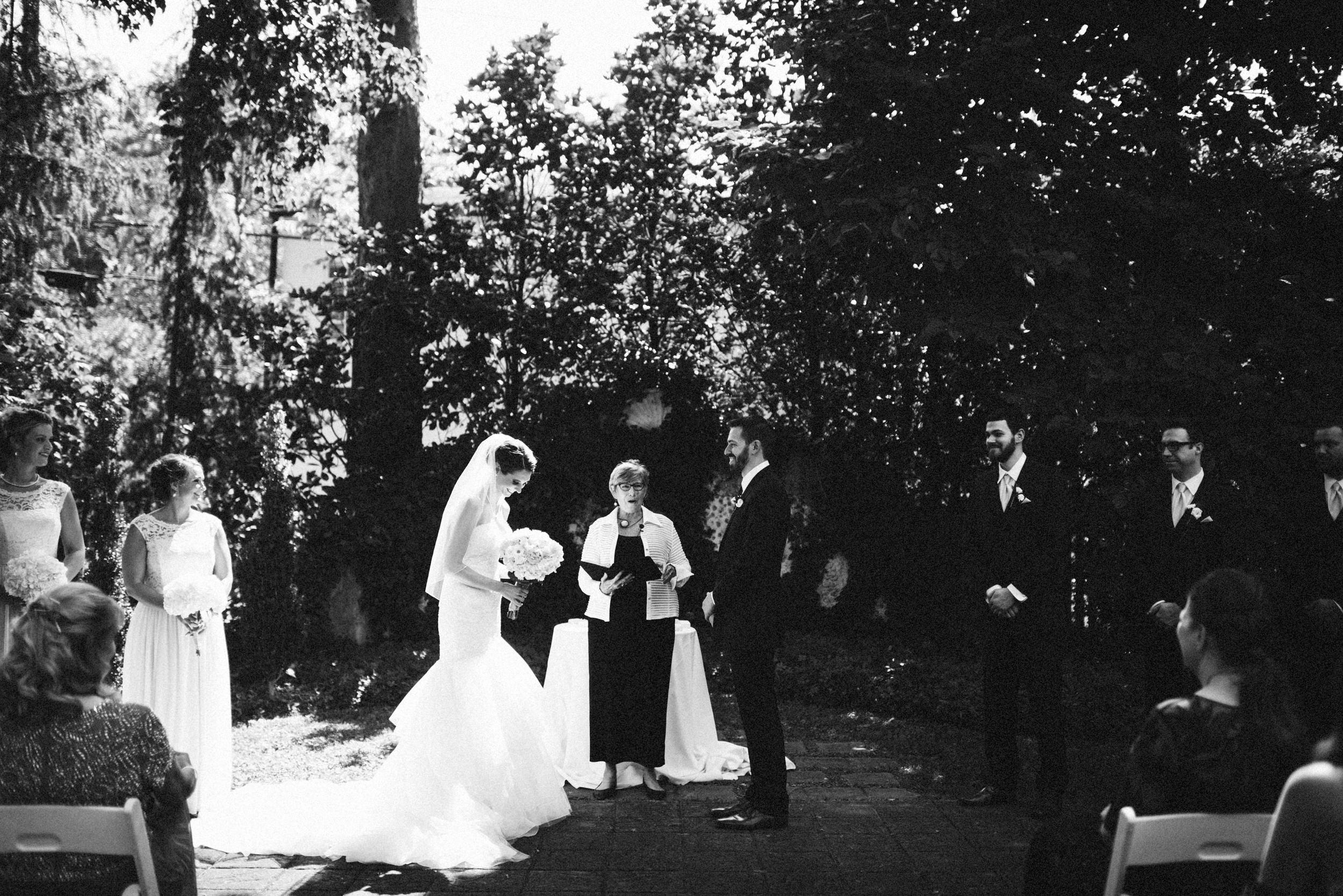 Louisville-Kentucky-Wedding-Elopement-Photographer-Sarah-Katherine-Davis-Photography-Whitehall-Classic-Timeless-Garden-Wedding-332.jpg
