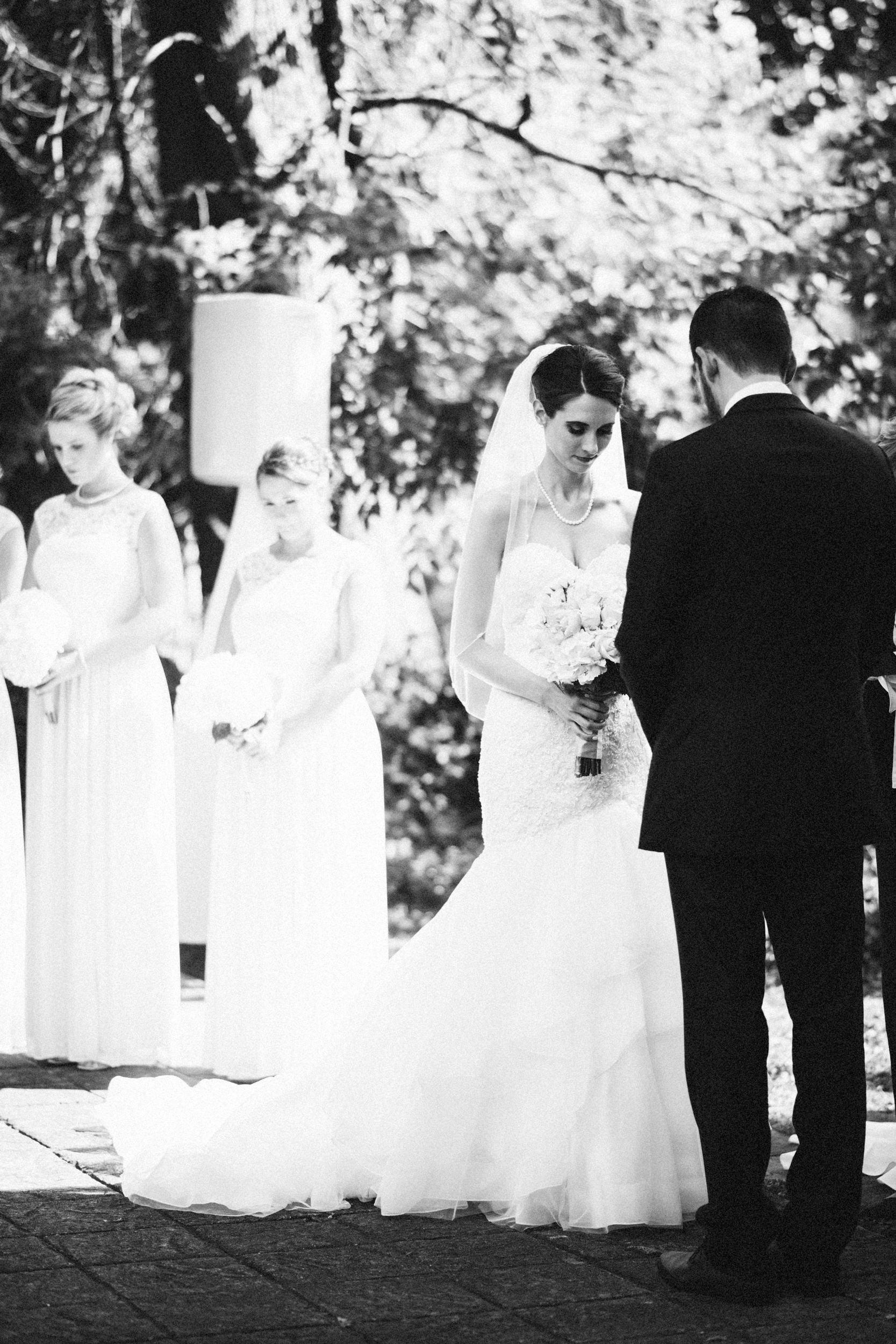 Louisville-Kentucky-Wedding-Elopement-Photographer-Sarah-Katherine-Davis-Photography-Whitehall-Classic-Timeless-Garden-Wedding-342.jpg