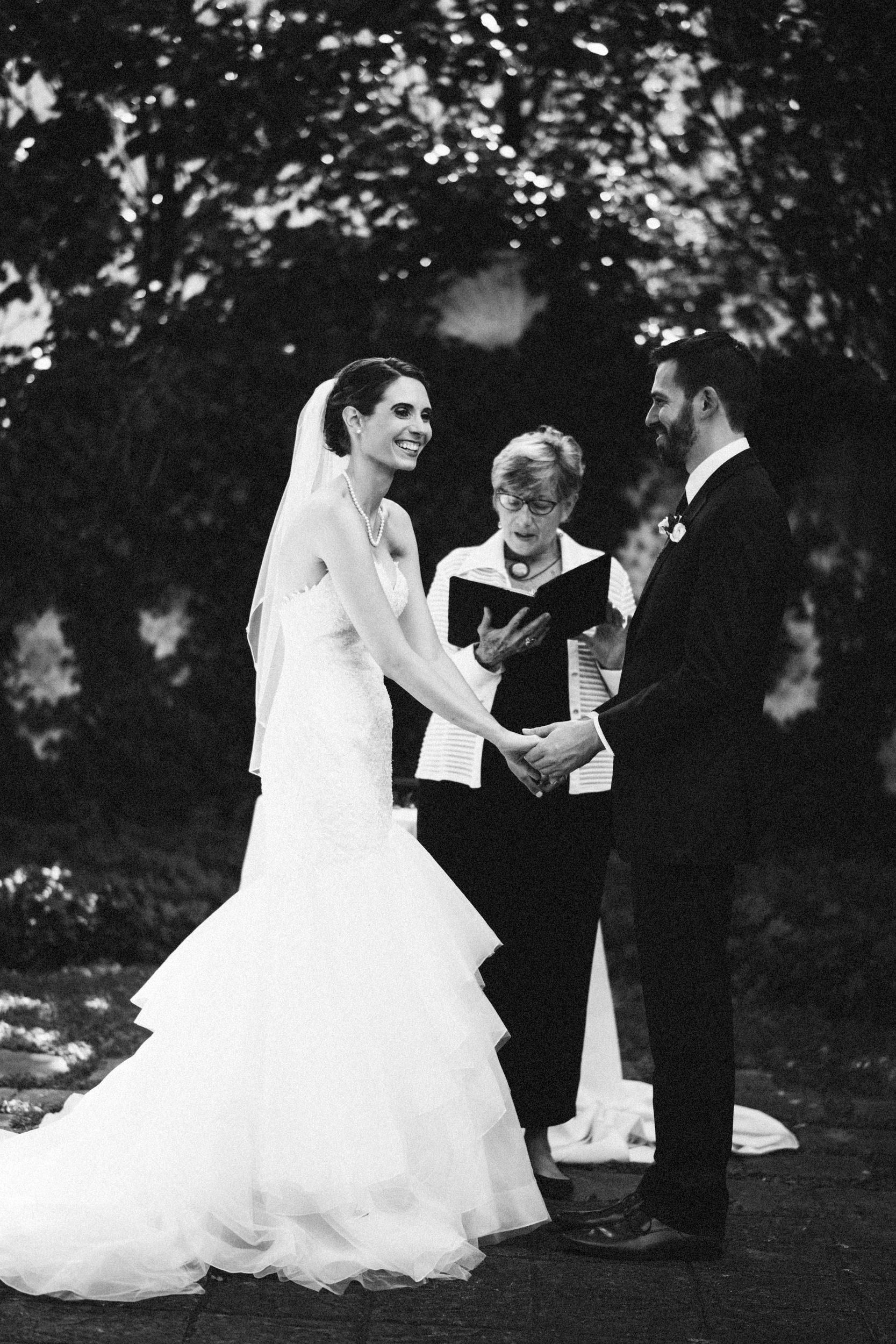 Louisville-Kentucky-Wedding-Elopement-Photographer-Sarah-Katherine-Davis-Photography-Whitehall-Classic-Timeless-Garden-Wedding-375.jpg