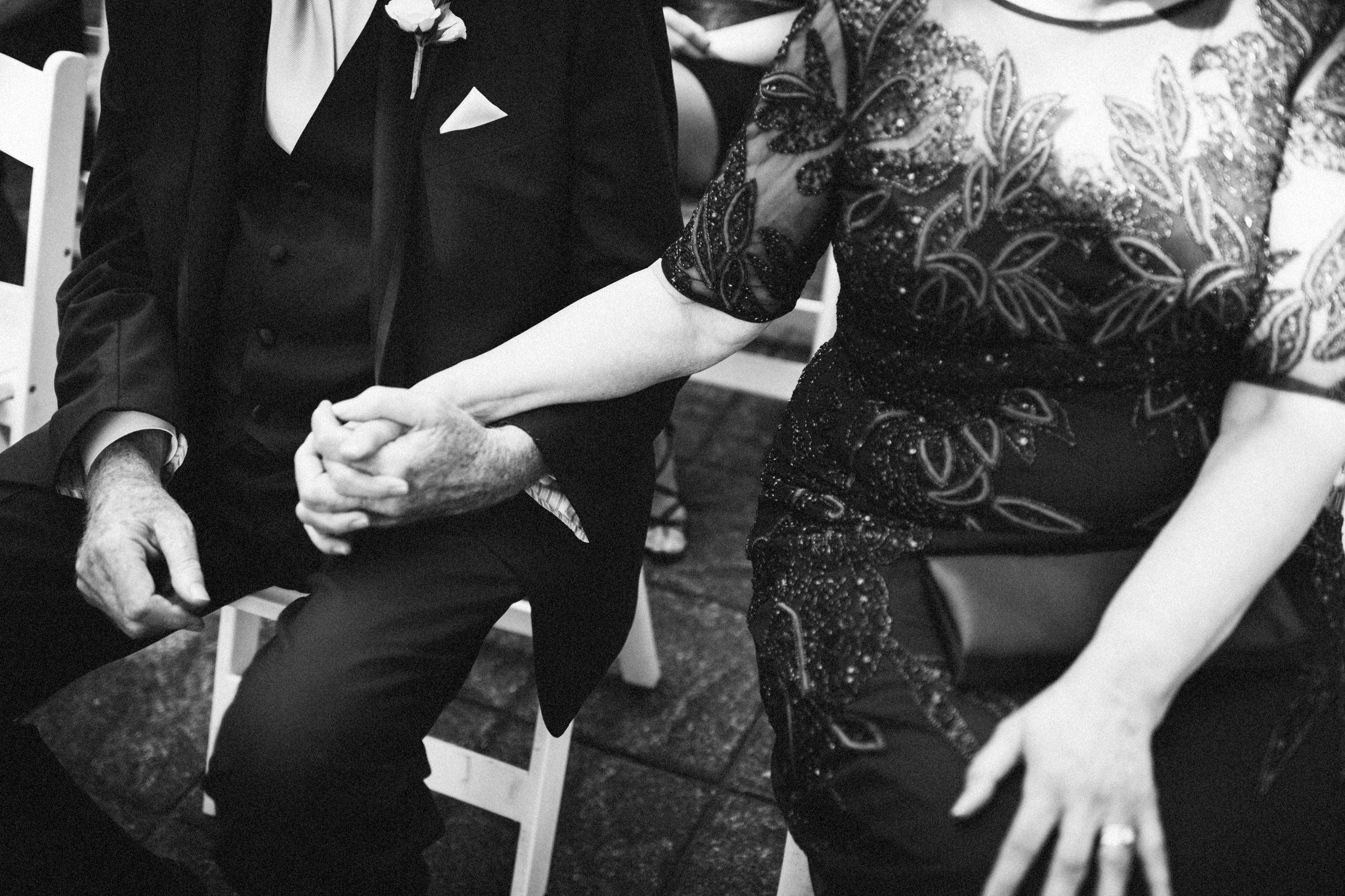 Louisville-Kentucky-Wedding-Elopement-Photographer-Sarah-Katherine-Davis-Photography-Whitehall-Classic-Timeless-Garden-Wedding-293.jpg