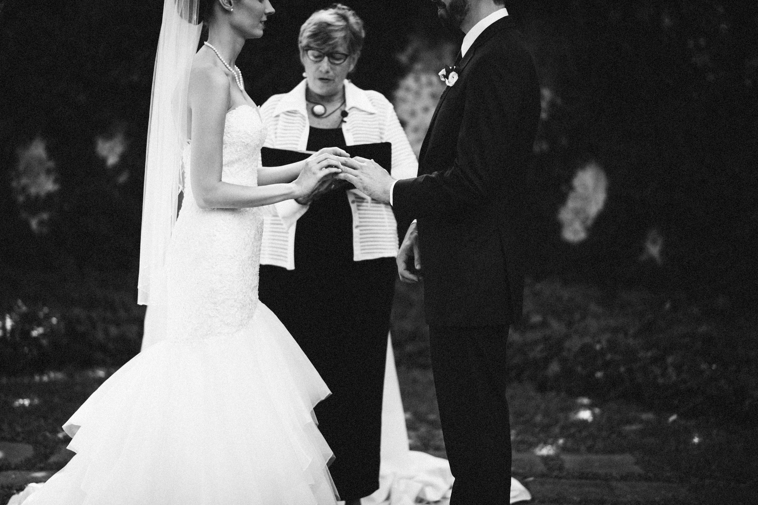 Louisville-Kentucky-Wedding-Elopement-Photographer-Sarah-Katherine-Davis-Photography-Whitehall-Classic-Timeless-Garden-Wedding-404.jpg