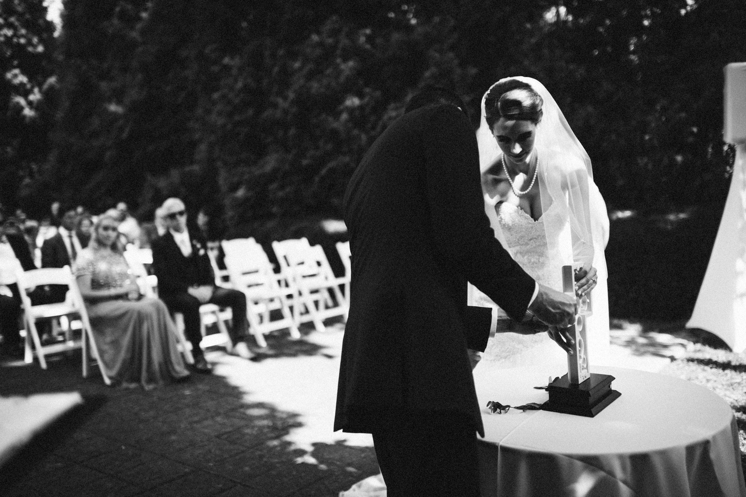 Louisville-Kentucky-Wedding-Elopement-Photographer-Sarah-Katherine-Davis-Photography-Whitehall-Classic-Timeless-Garden-Wedding-415.jpg