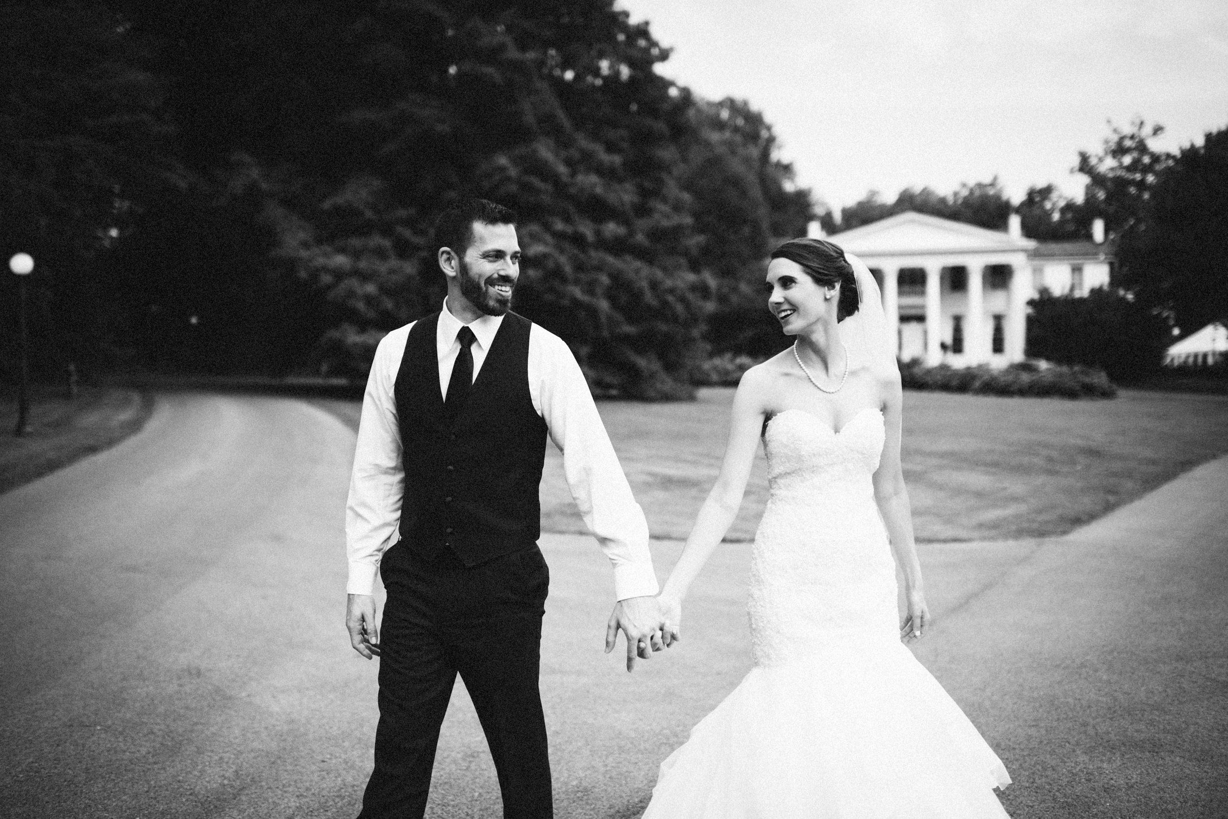 Louisville-Kentucky-Wedding-Elopement-Photographer-Sarah-Katherine-Davis-Photography-Whitehall-Classic-Timeless-Garden-Wedding-557.jpg
