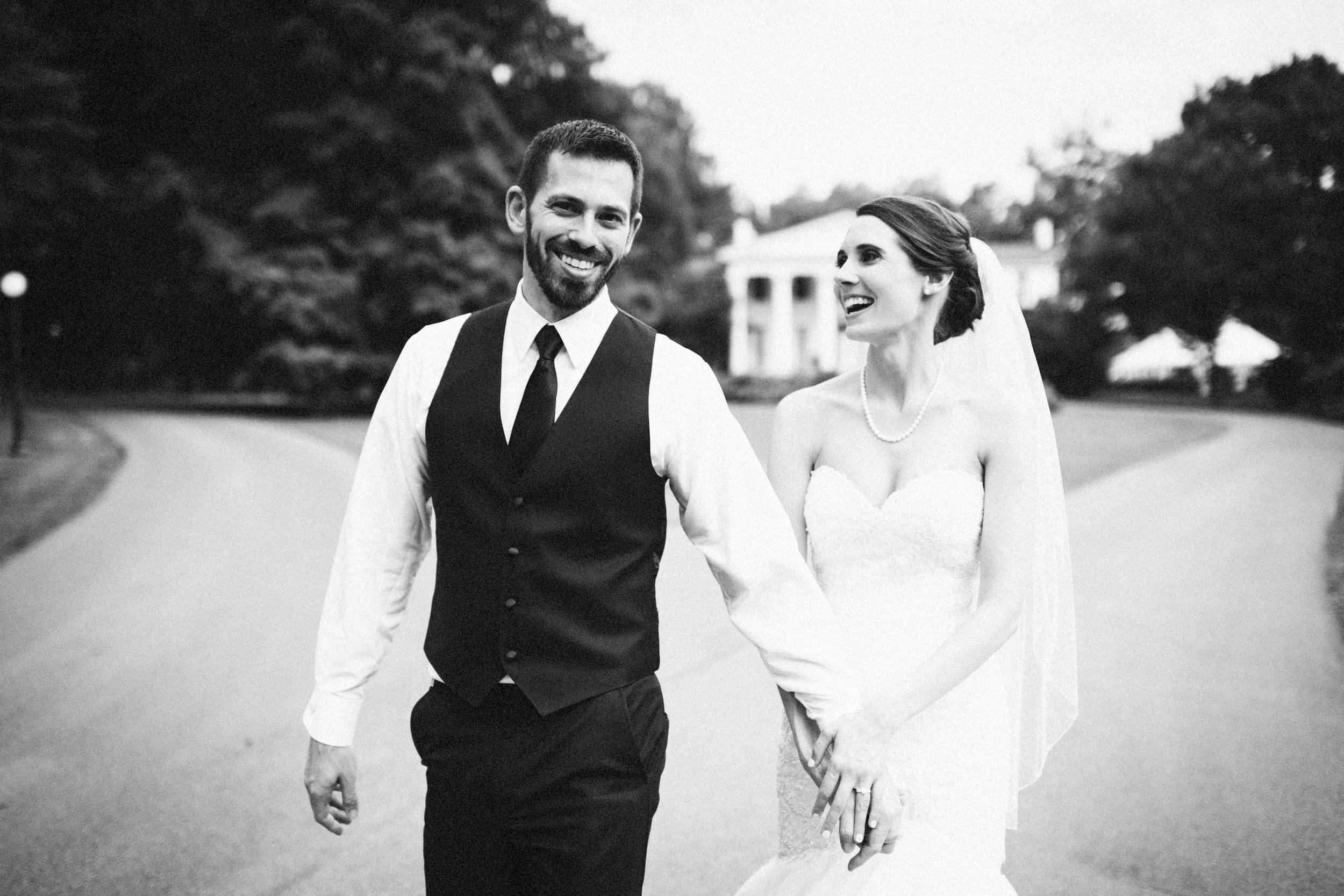 Louisville-Kentucky-Wedding-Elopement-Photographer-Sarah-Katherine-Davis-Photography-Whitehall-Classic-Timeless-Garden-Wedding-566.jpg