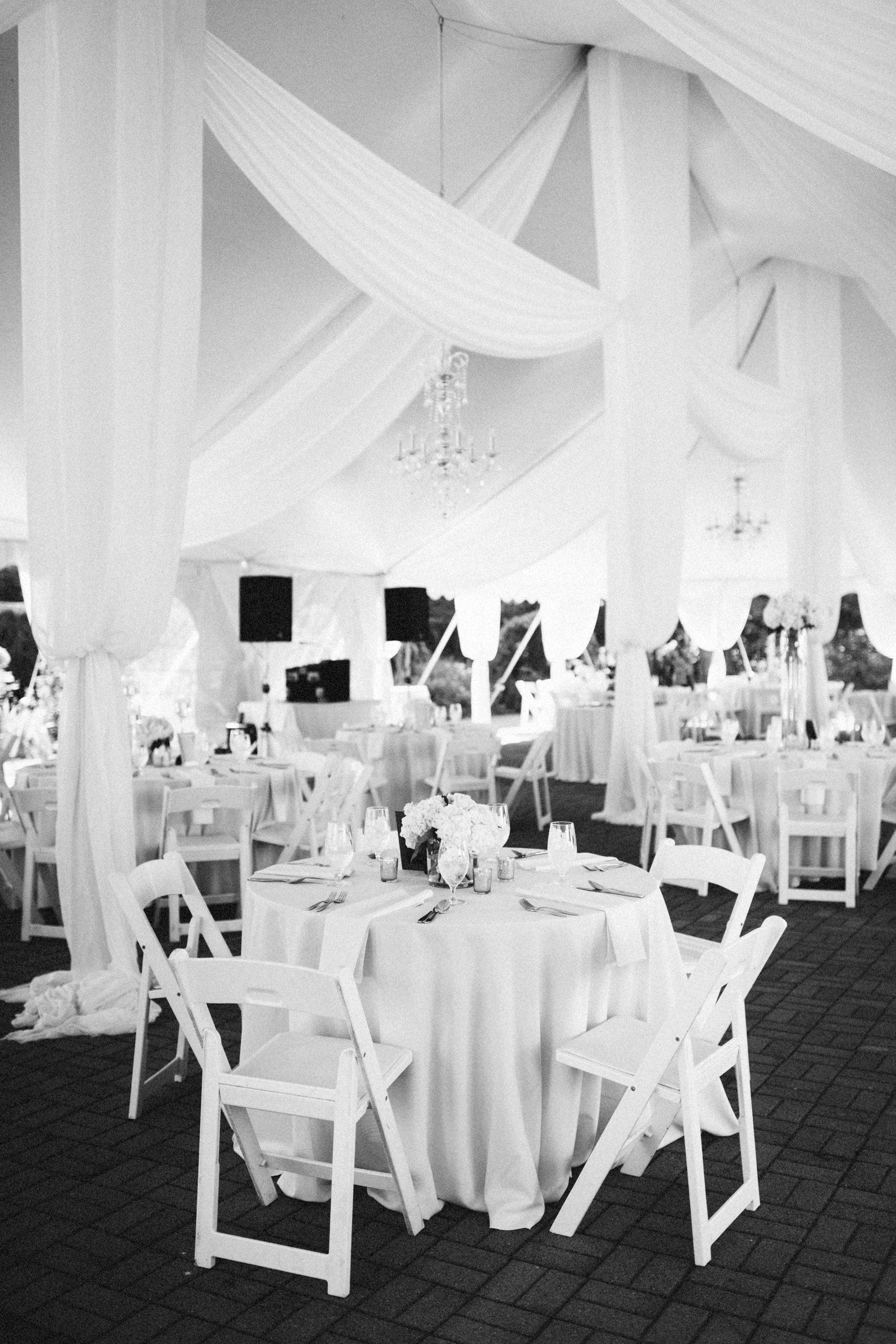 Louisville-Kentucky-Wedding-Elopement-Photographer-Sarah-Katherine-Davis-Photography-Whitehall-Classic-Timeless-Garden-Wedding-271.jpg