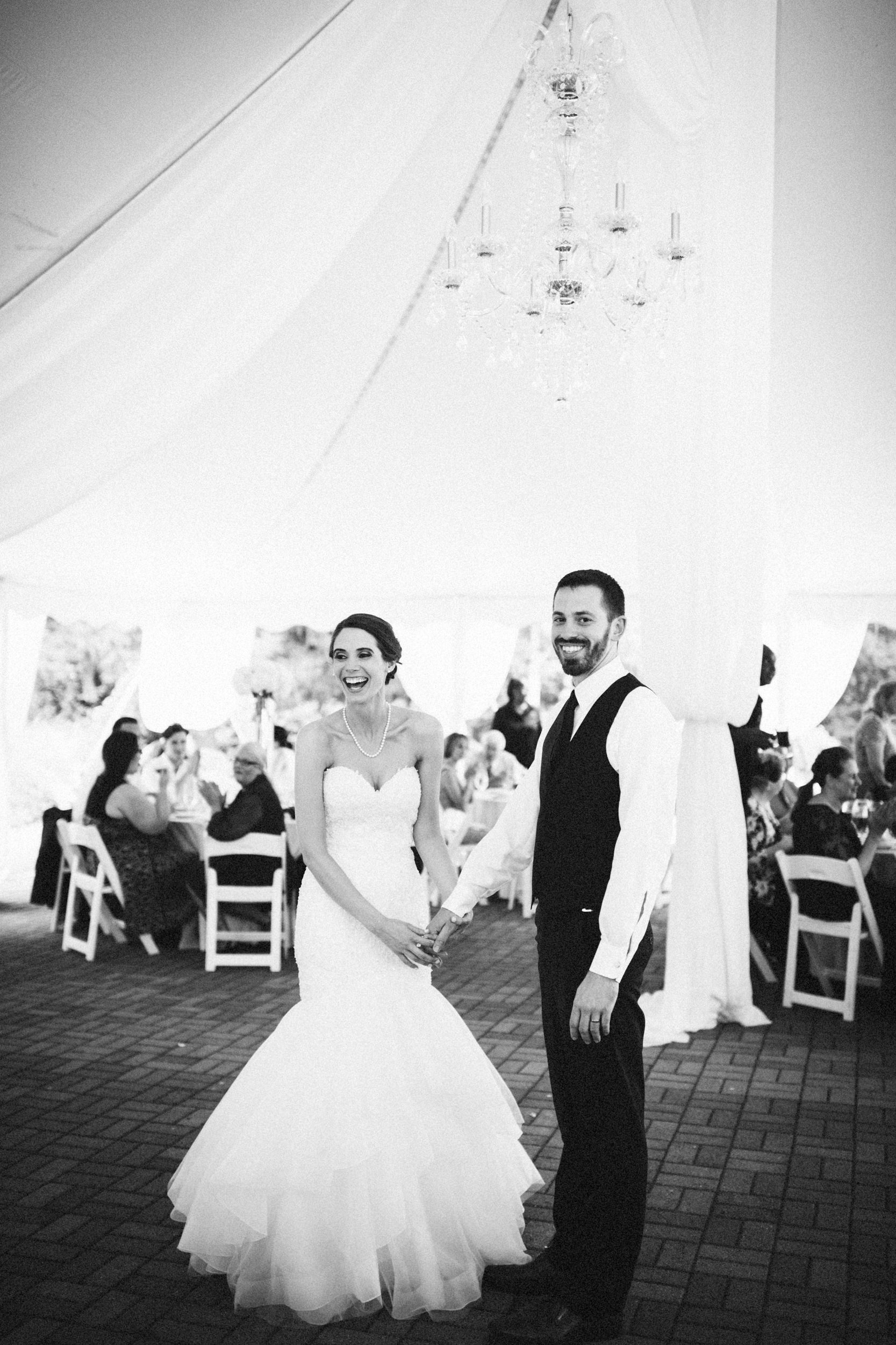 Louisville-Kentucky-Wedding-Elopement-Photographer-Sarah-Katherine-Davis-Photography-Whitehall-Classic-Timeless-Garden-Wedding-660.jpg