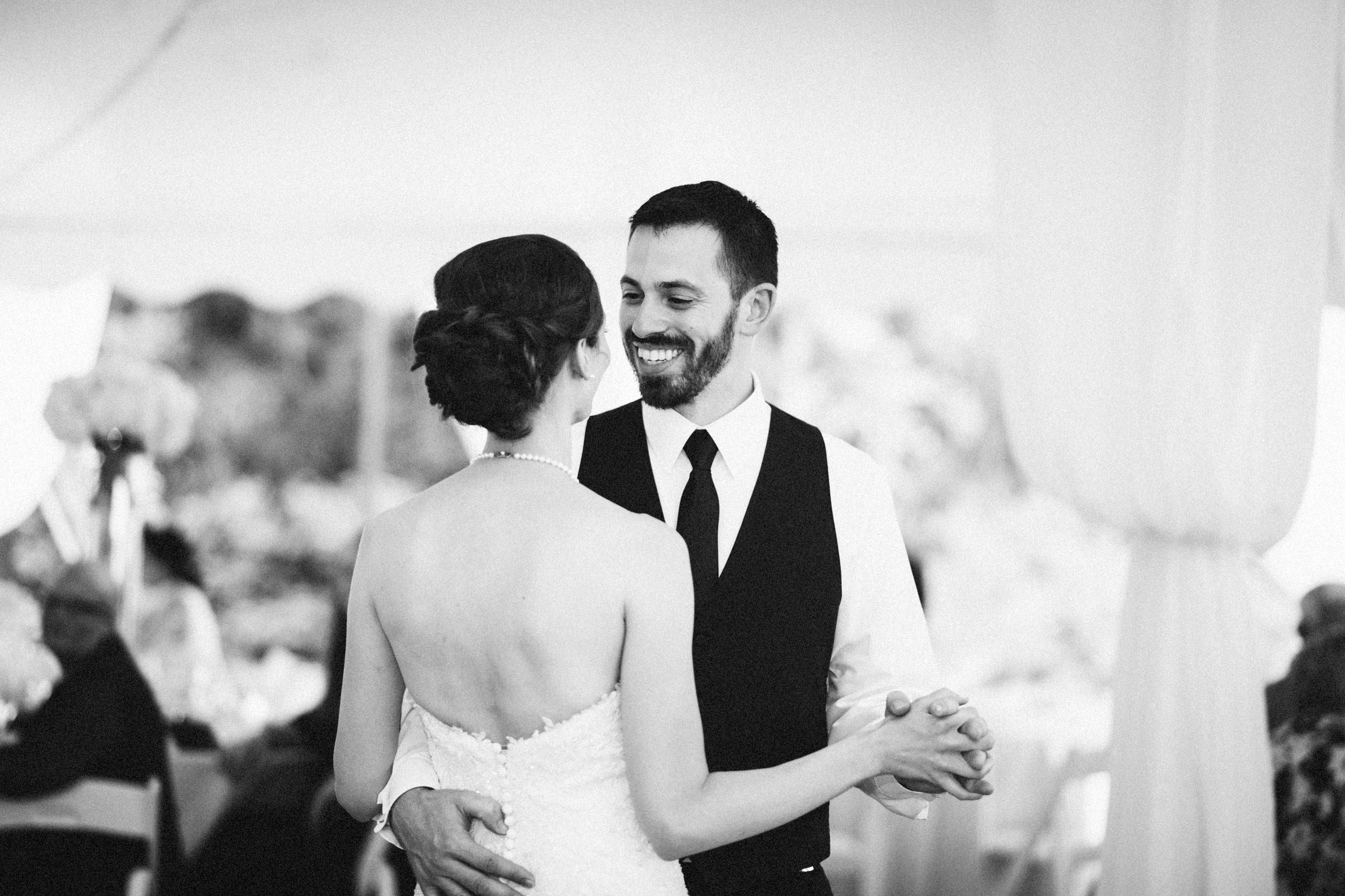 Louisville-Kentucky-Wedding-Elopement-Photographer-Sarah-Katherine-Davis-Photography-Whitehall-Classic-Timeless-Garden-Wedding-667.jpg