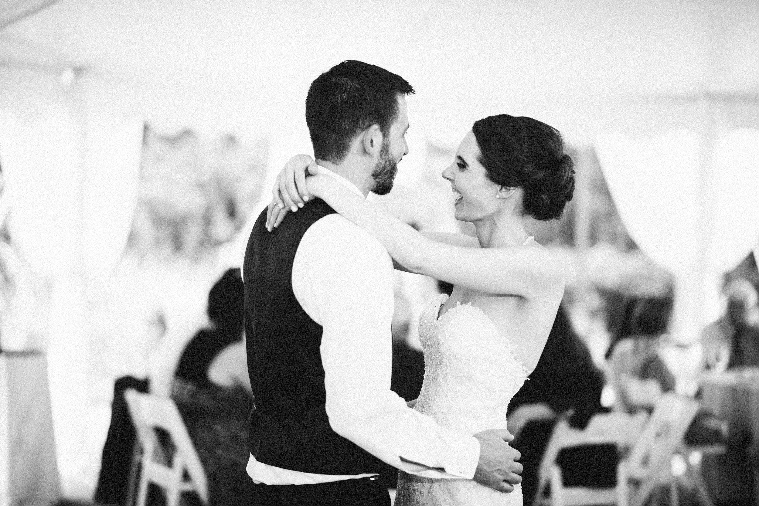 Louisville-Kentucky-Wedding-Elopement-Photographer-Sarah-Katherine-Davis-Photography-Whitehall-Classic-Timeless-Garden-Wedding-671.jpg