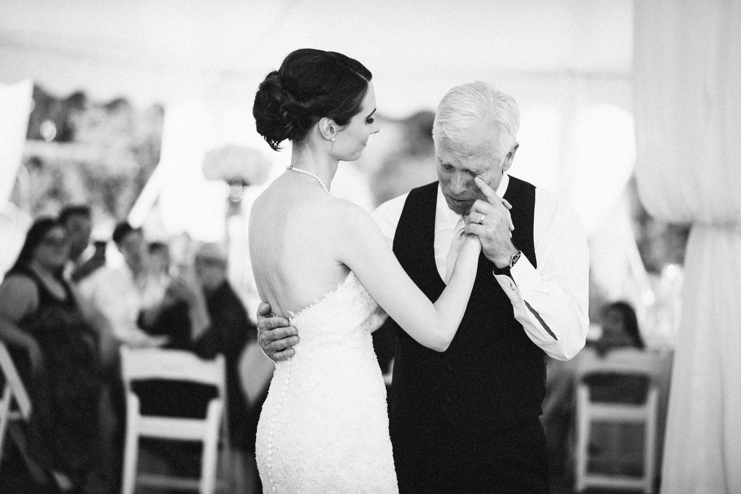 Louisville-Kentucky-Wedding-Elopement-Photographer-Sarah-Katherine-Davis-Photography-Whitehall-Classic-Timeless-Garden-Wedding-686.jpg